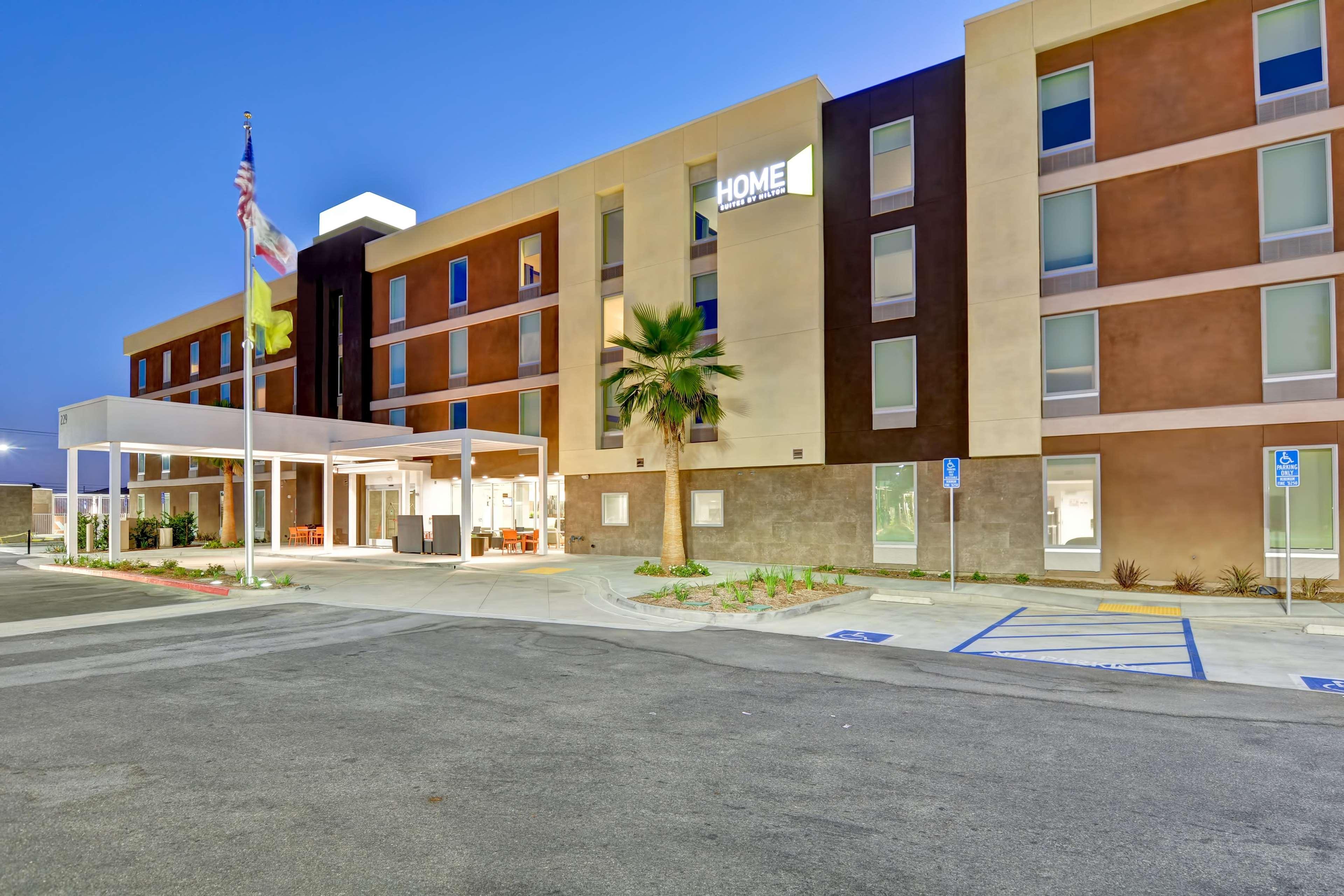 Home2 Suites by Hilton Azusa image 17