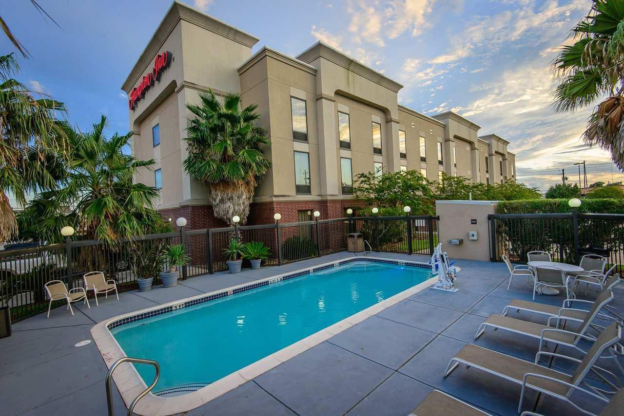 Hampton Inn Houston-Pearland image 11