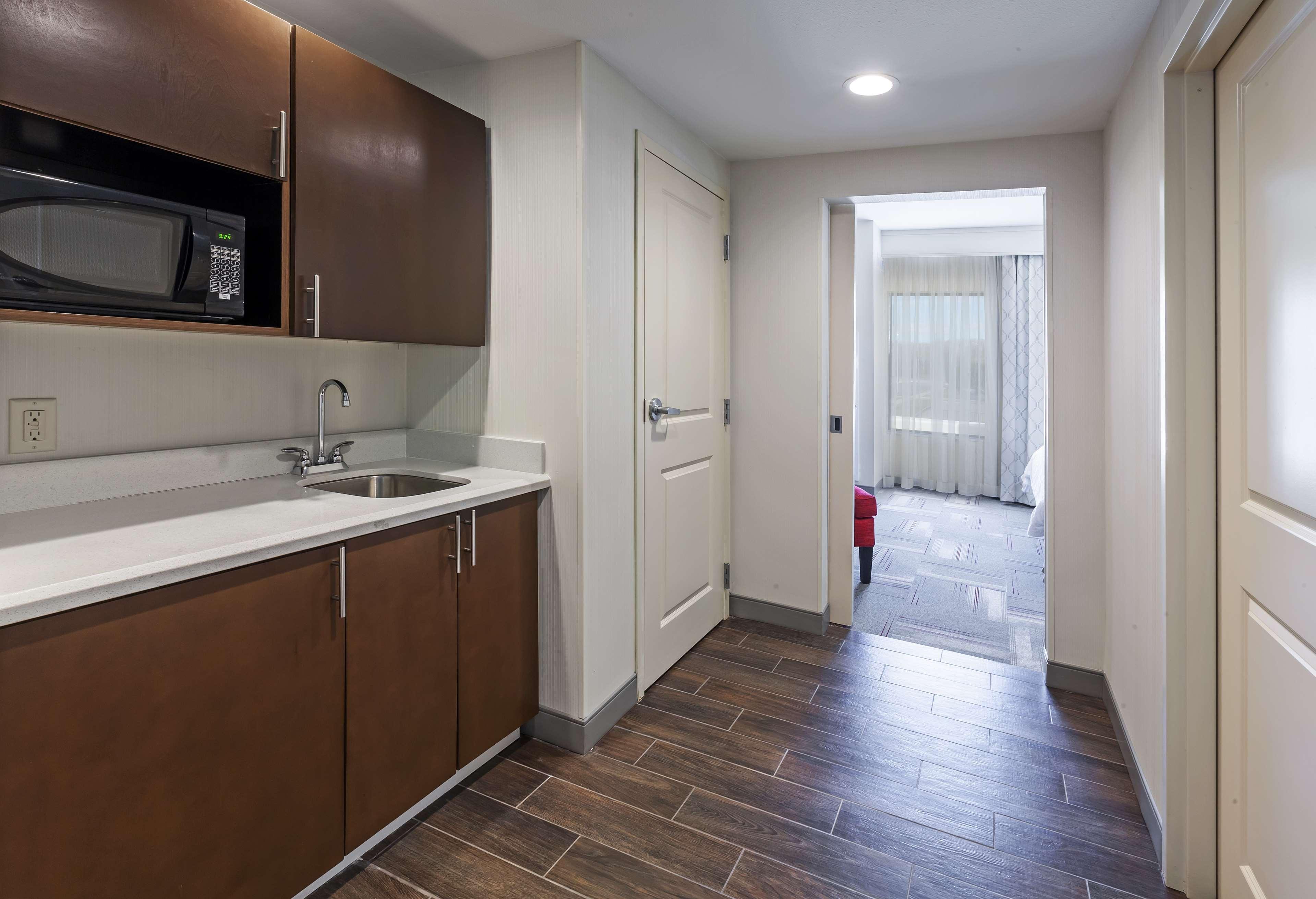 Hampton Inn & Suites Claremore image 26