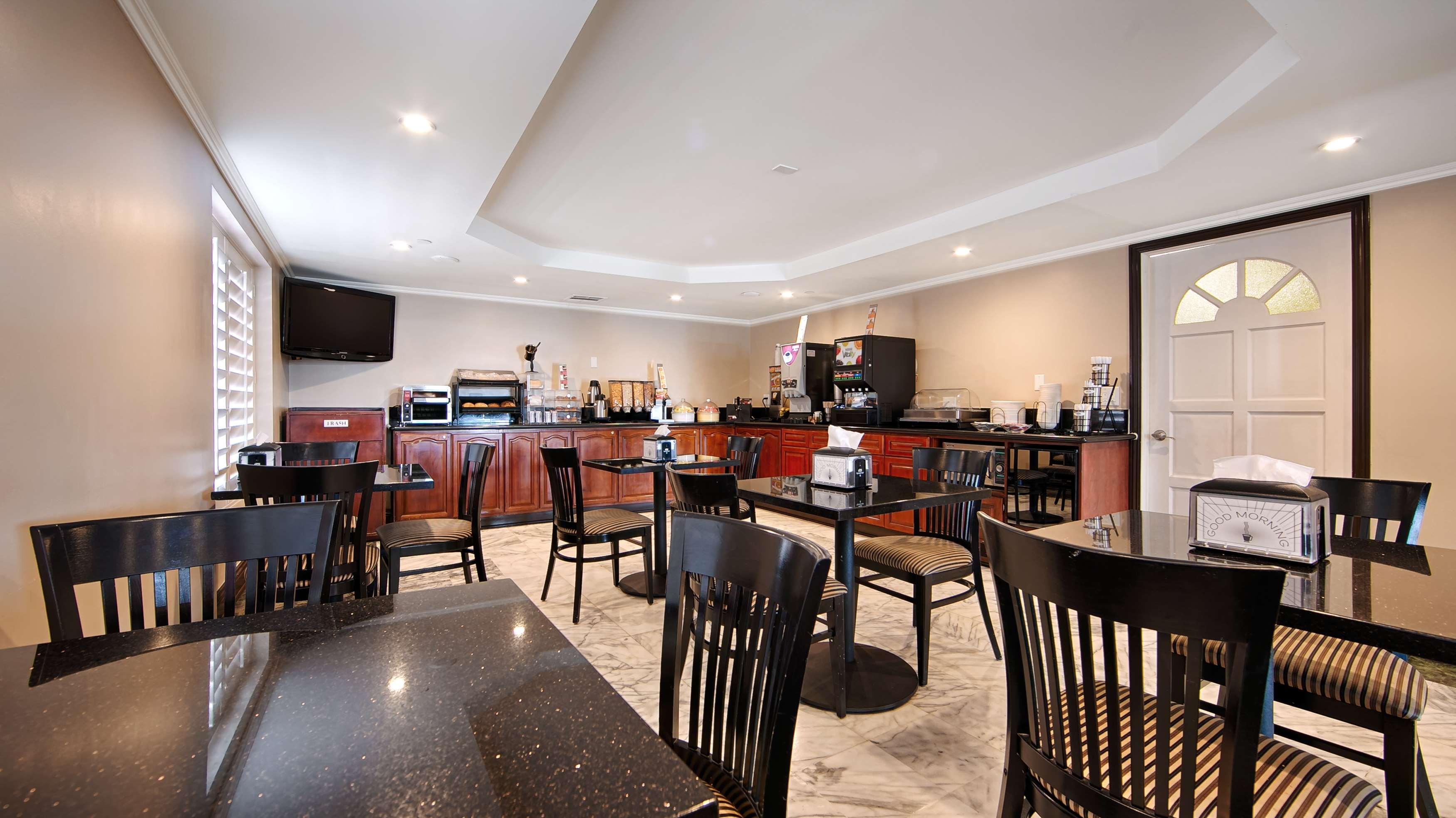 Best Western Pasadena Royale Inn & Suites image 1