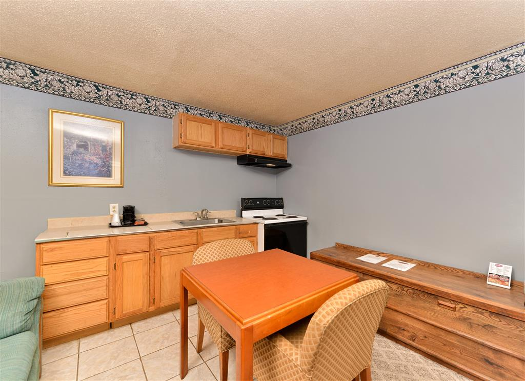 Country Hearth Inn & Suites - Gainesville image 4