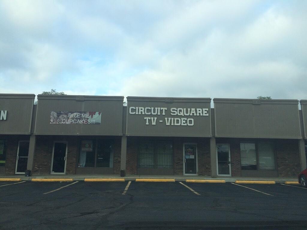 Circuit Square TV image 7