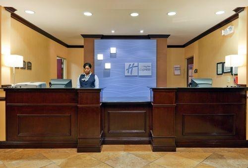 Holiday Inn Express & Suites Selma image 3