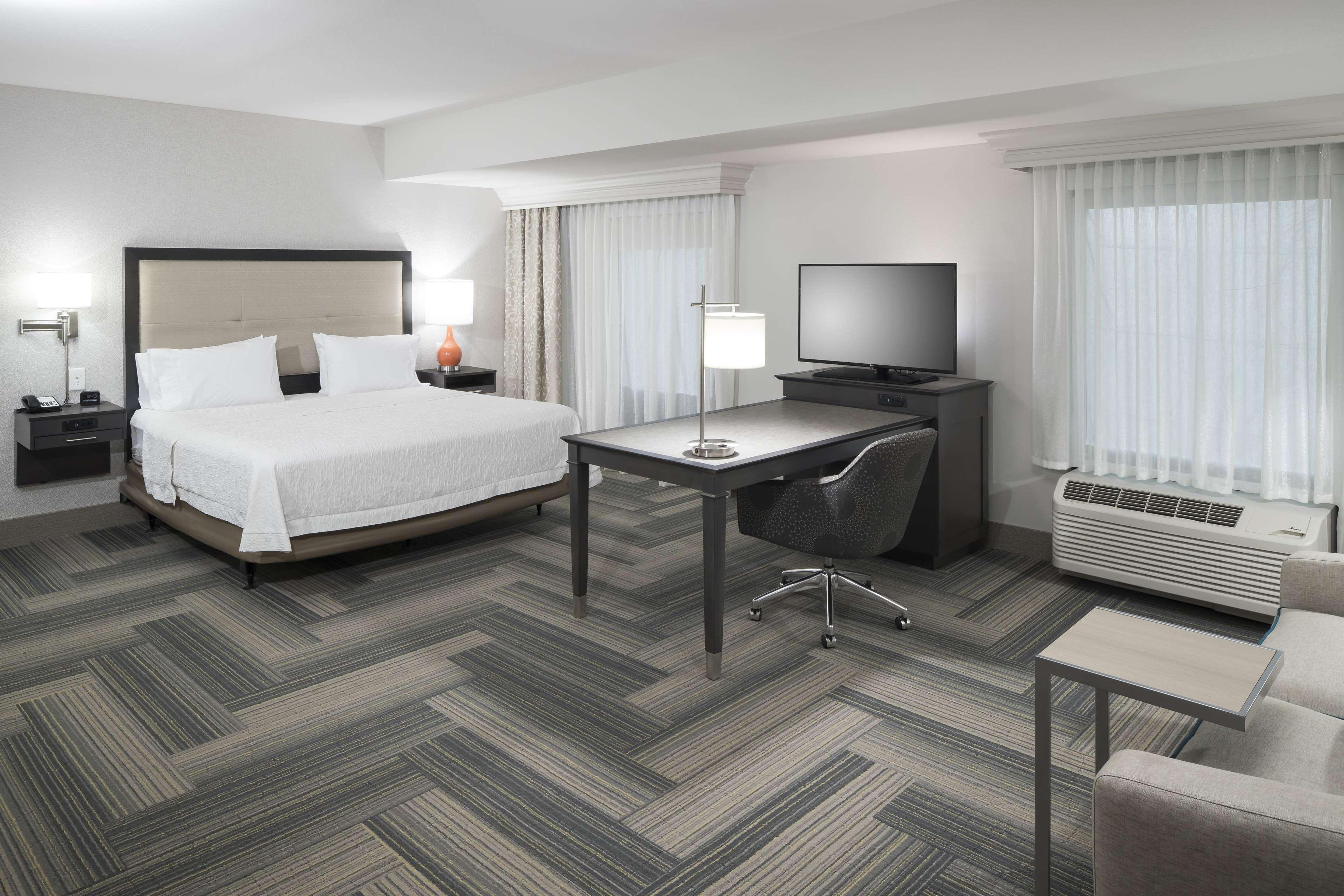 Hampton Inn & Suites by Hilton Atlanta Perimeter Dunwoody image 22
