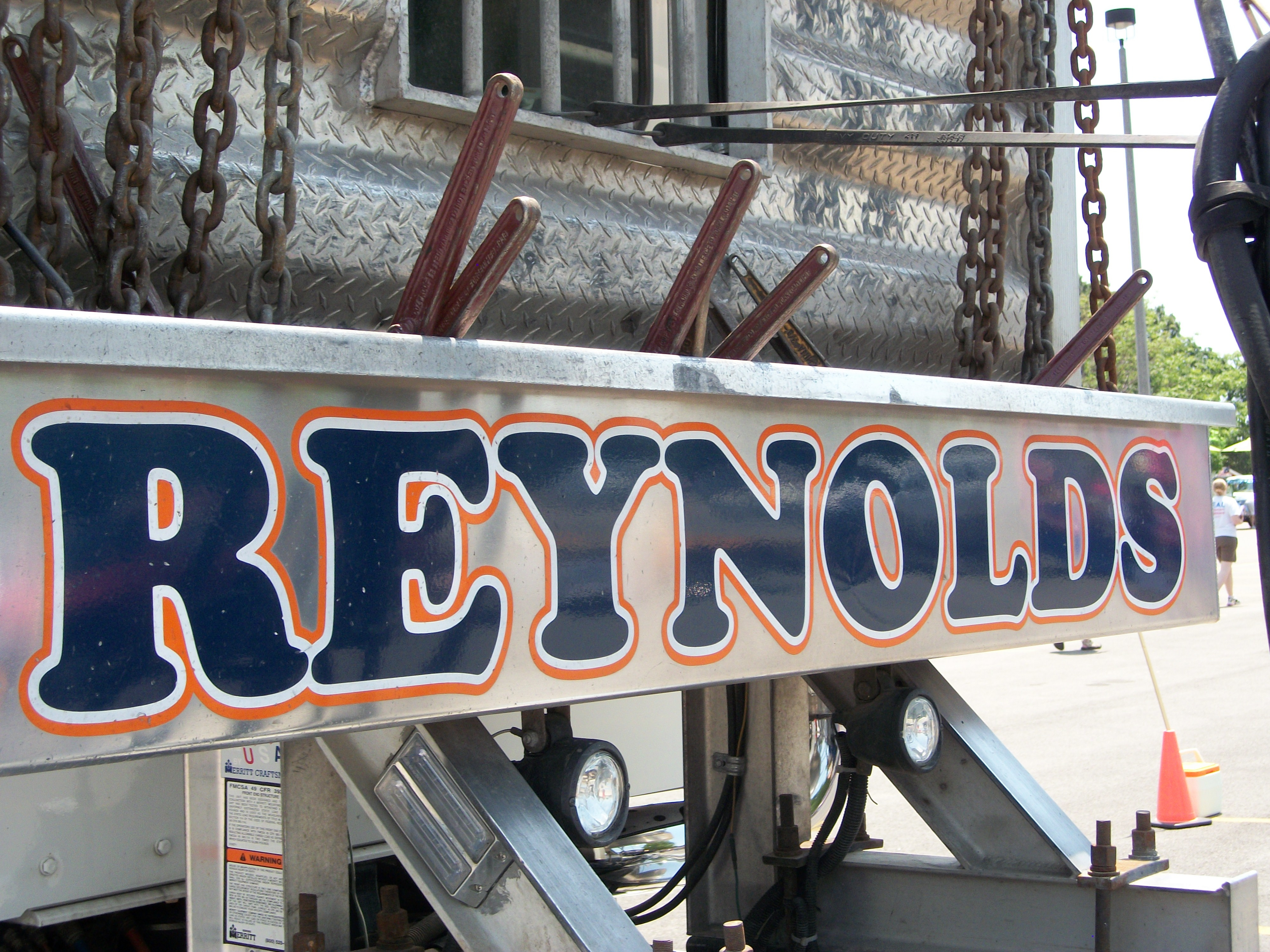 Reynolds Towing Service image 5