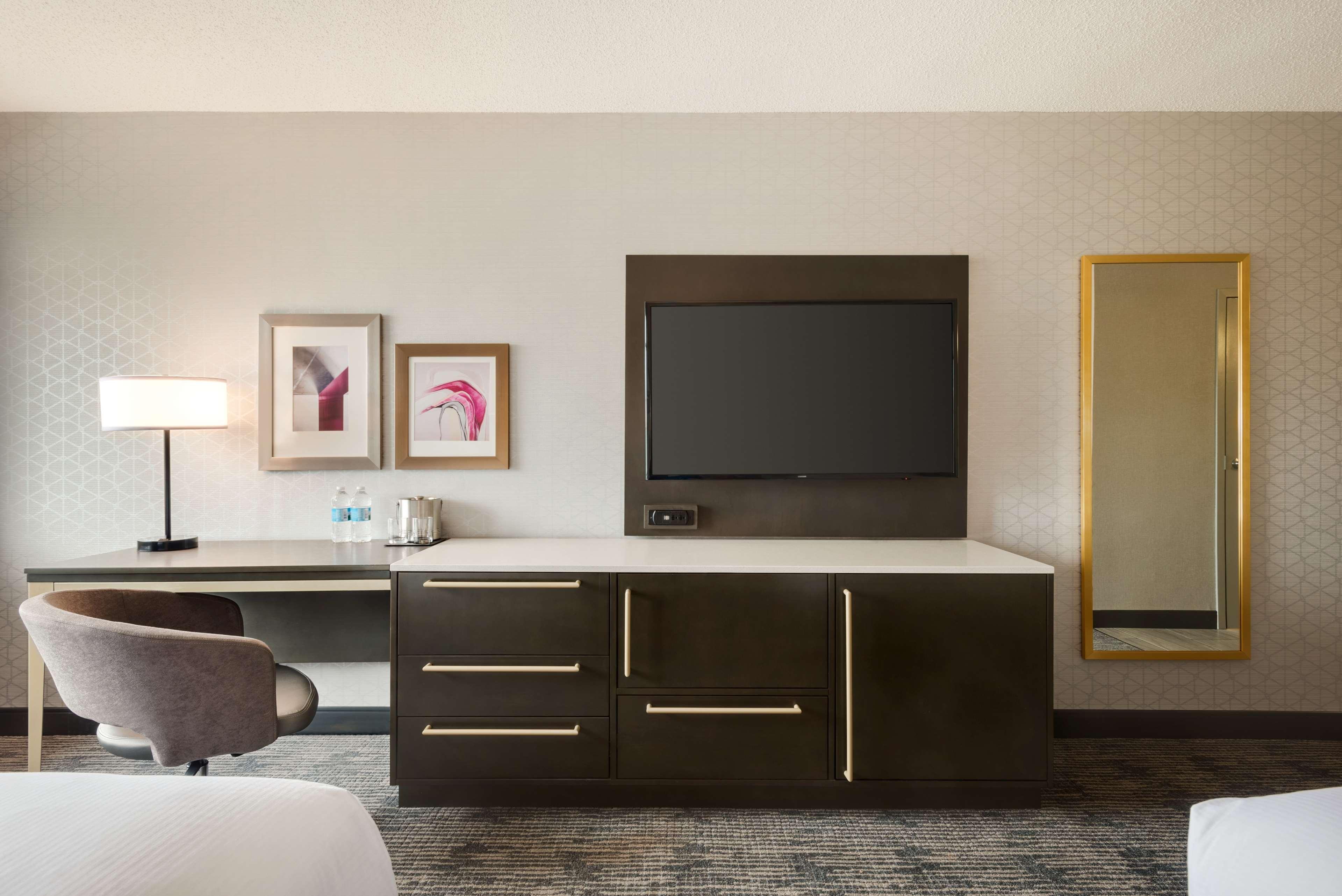DoubleTree by Hilton St. Paul East image 26