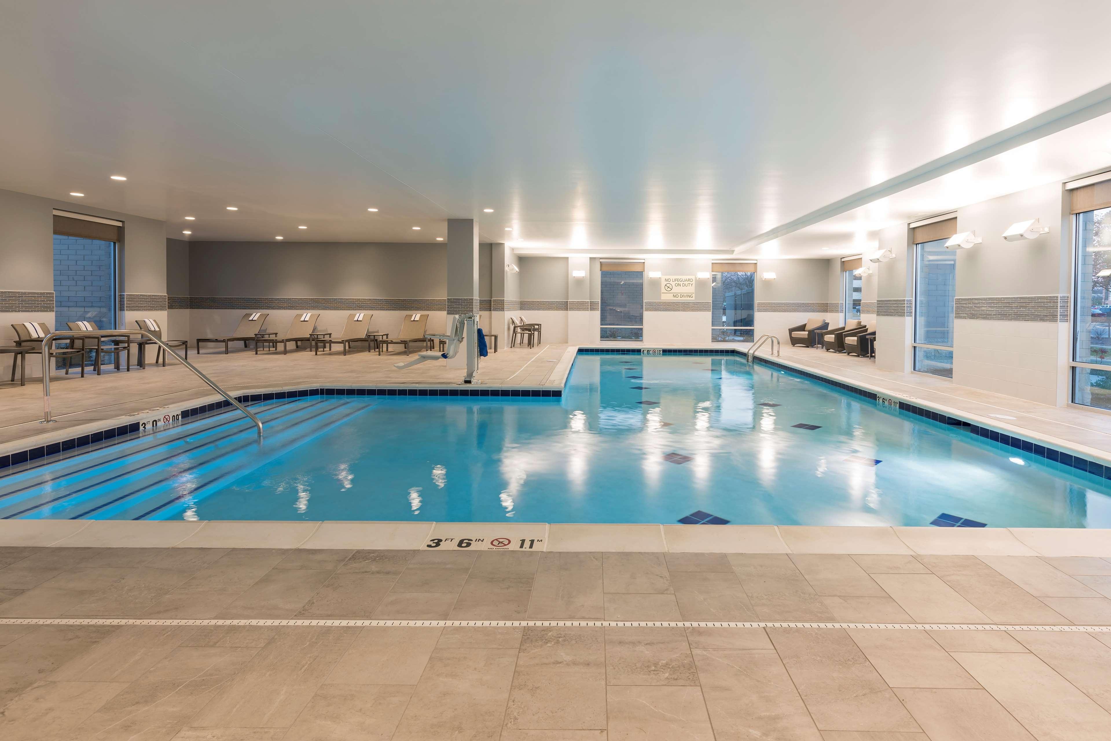 Hampton Inn & Suites Indianapolis-Keystone image 8