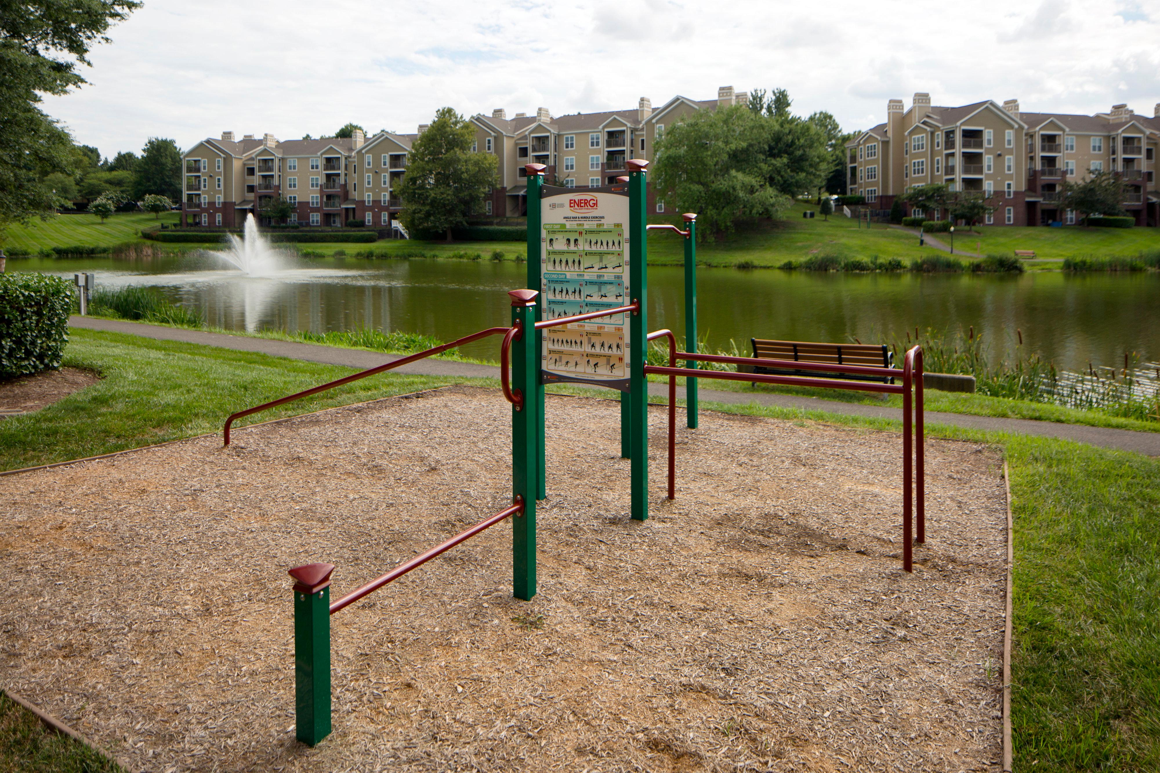 Lakeside Apartments image 8