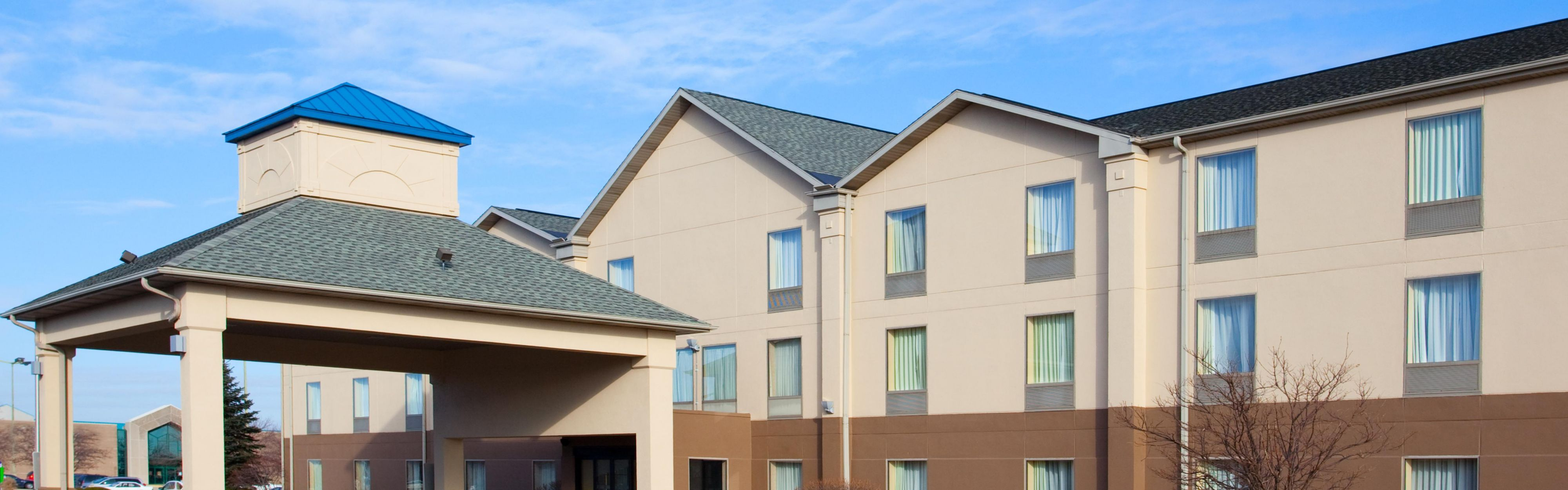 Holiday Inn Express & Suites Bourbonnais (Kankakee/Bradley) image 0