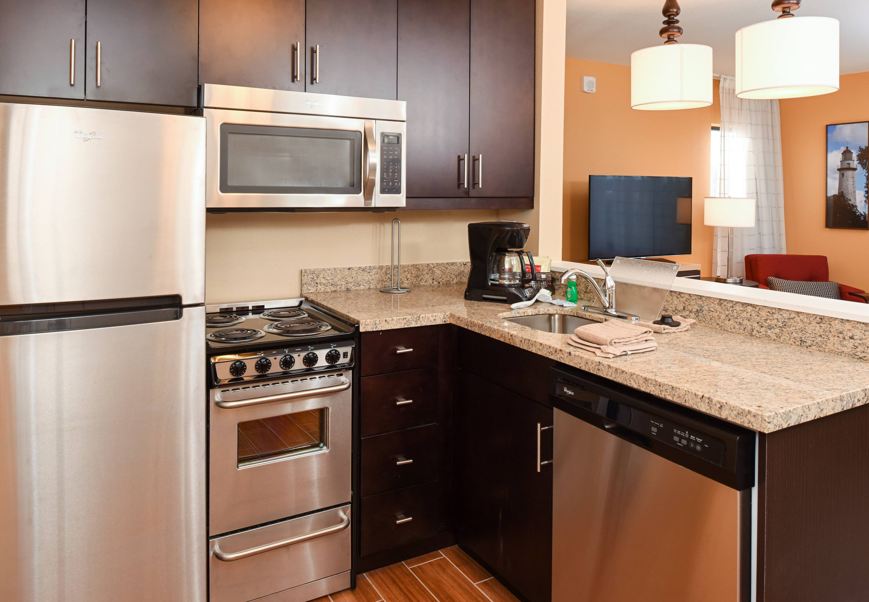 TownePlace Suites by Marriott Detroit Commerce image 5