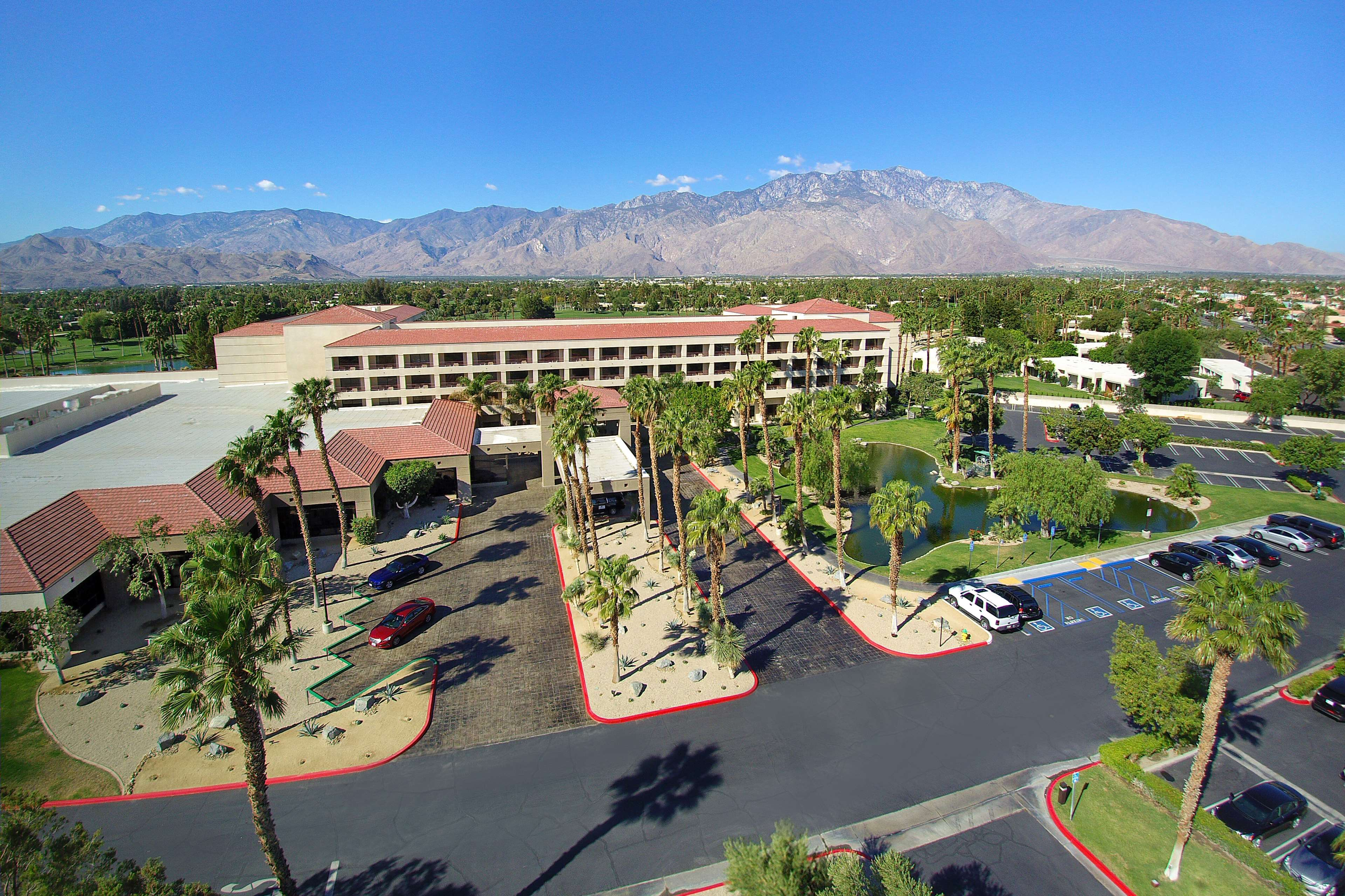 DoubleTree by Hilton Hotel Golf Resort Palm Springs image 2