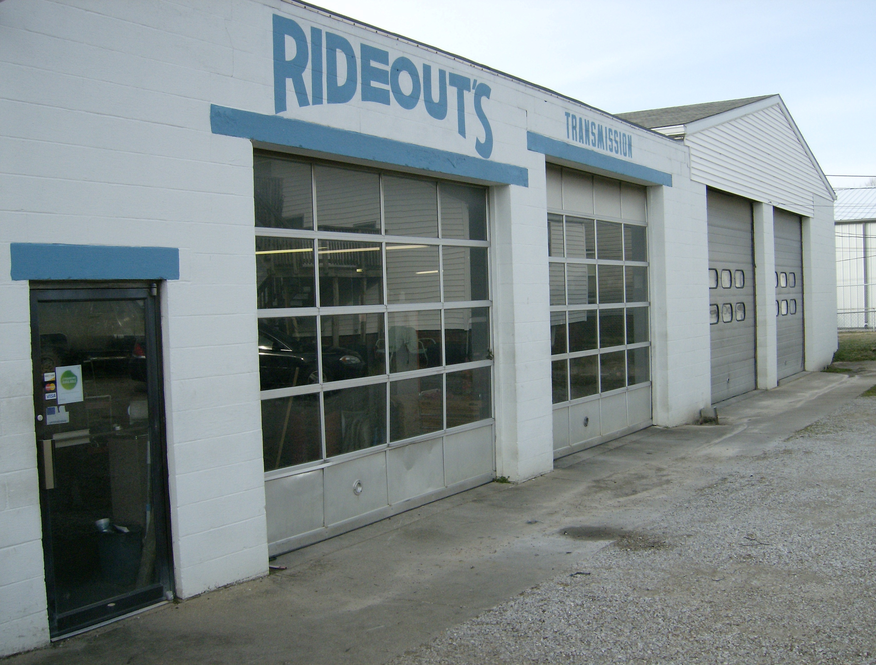 Rideout 39 s transmission repair inc in evansville in 812 for Select motors evansville in
