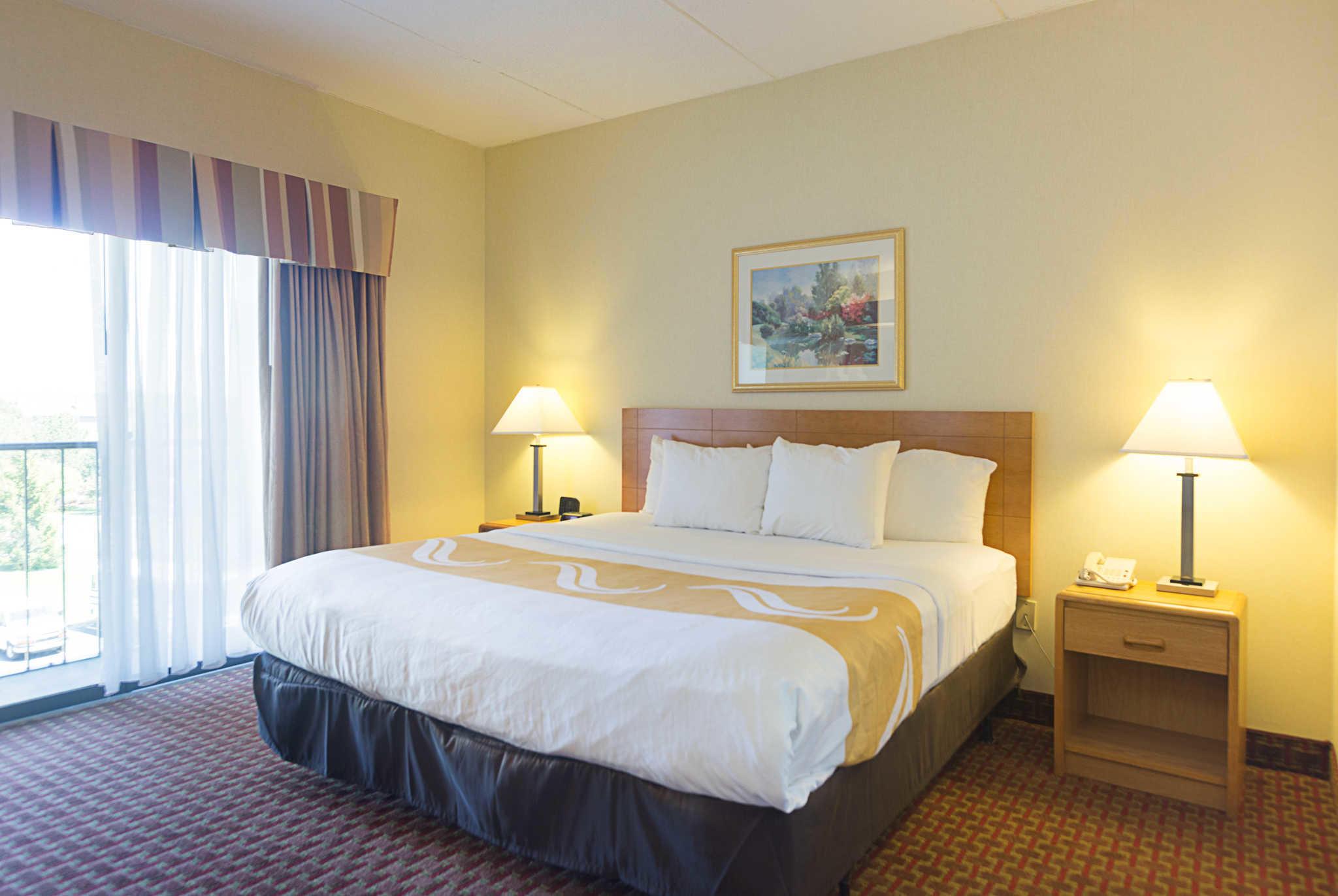 Quality Suites image 20