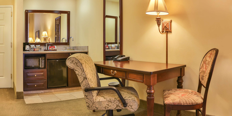 Hampton Inn & Suites Savannah Historic District image 31