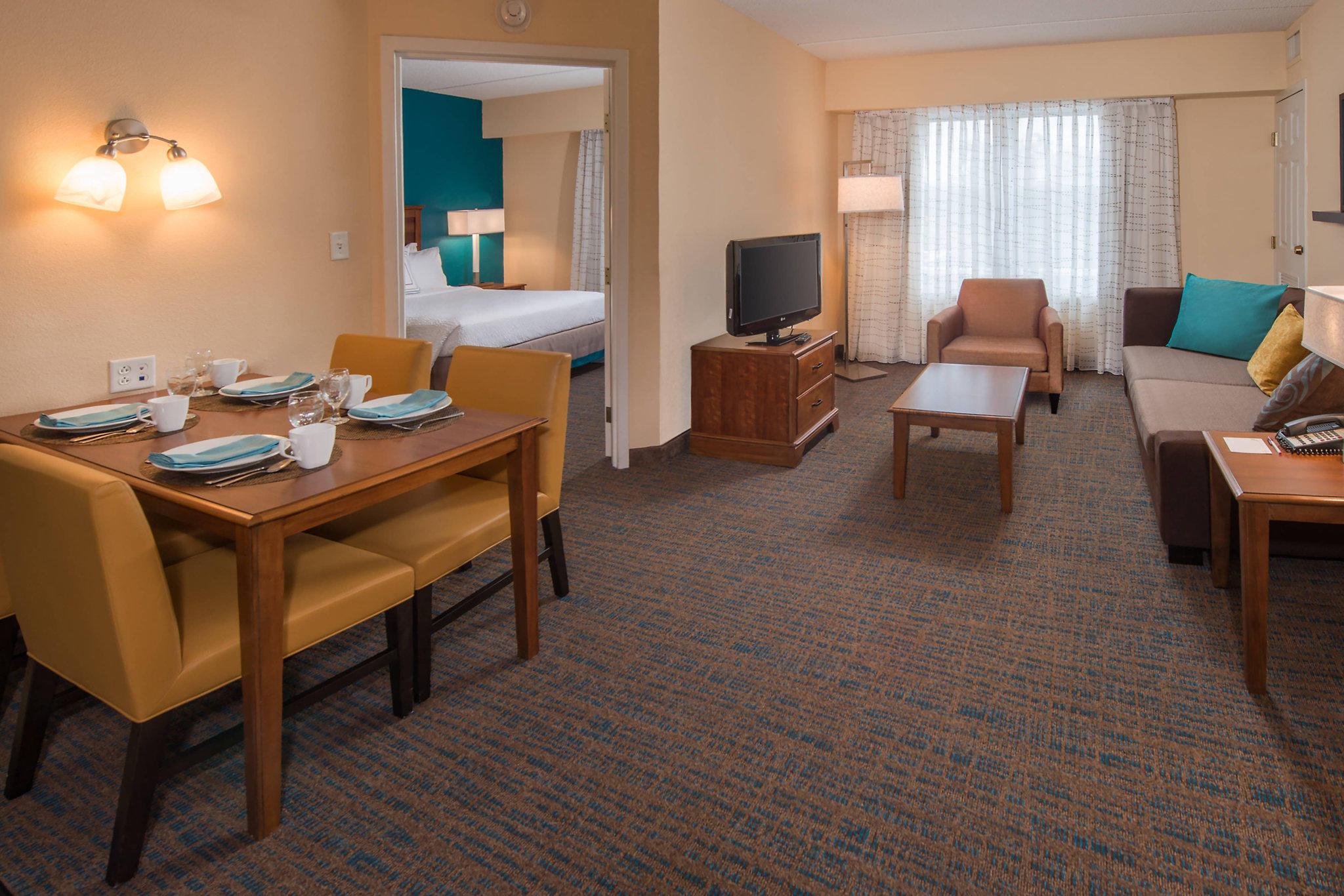 Residence Inn by Marriott Chesapeake Greenbrier