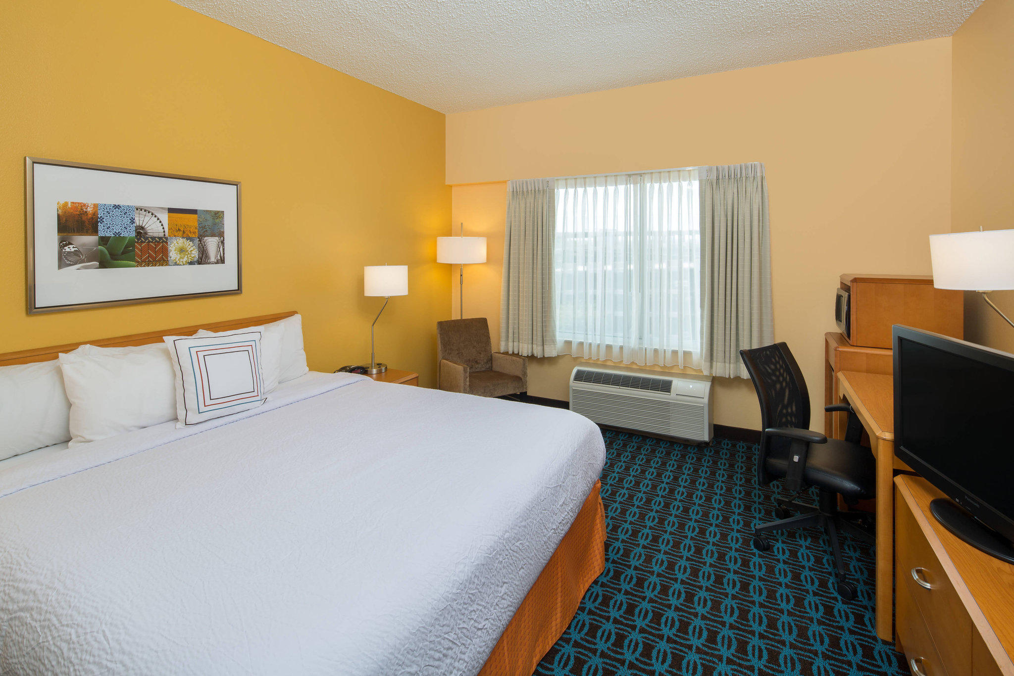 Fairfield Inn & Suites by Marriott San Antonio Airport/North Star Mall