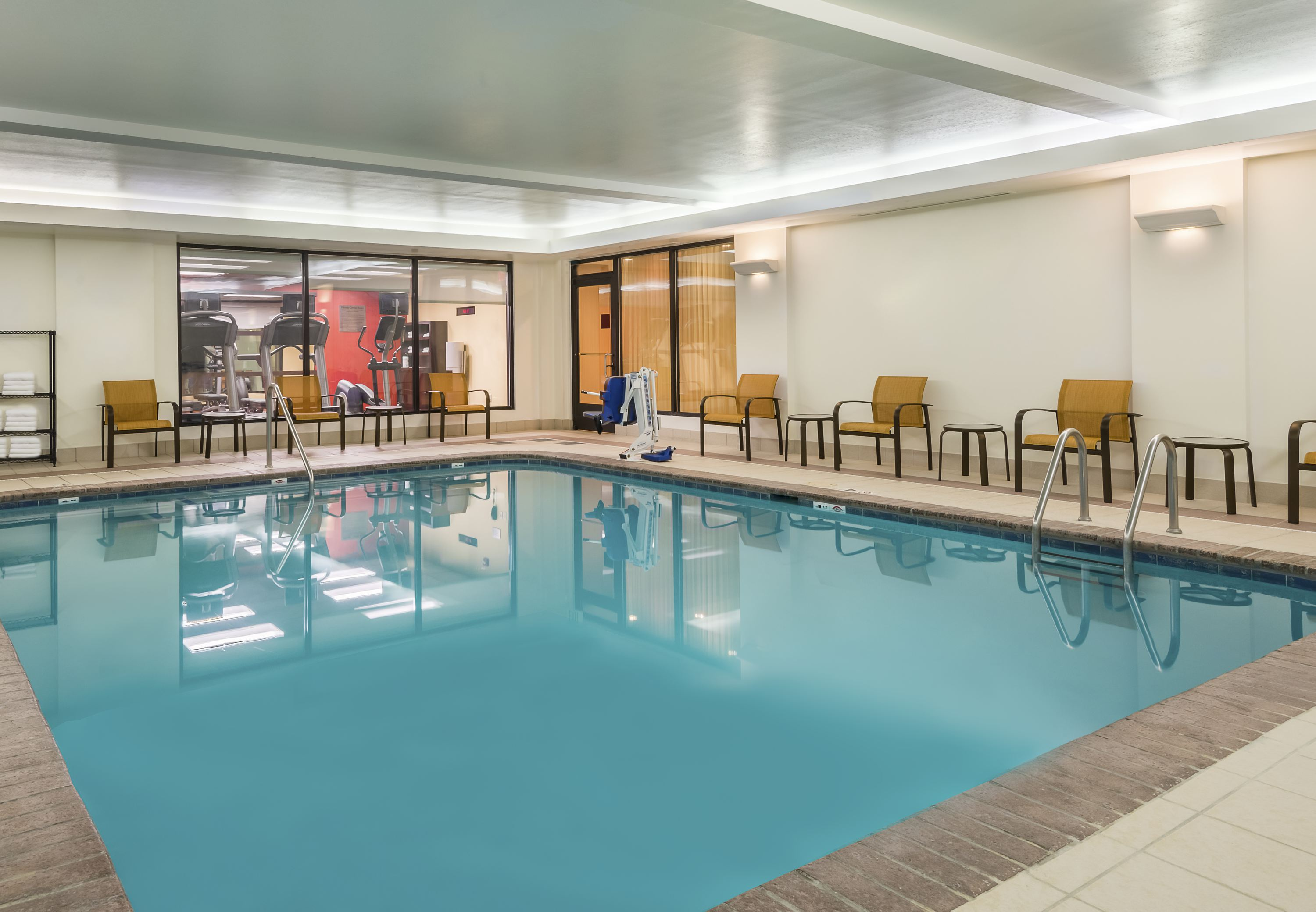 Courtyard by Marriott Knoxville Cedar Bluff image 9