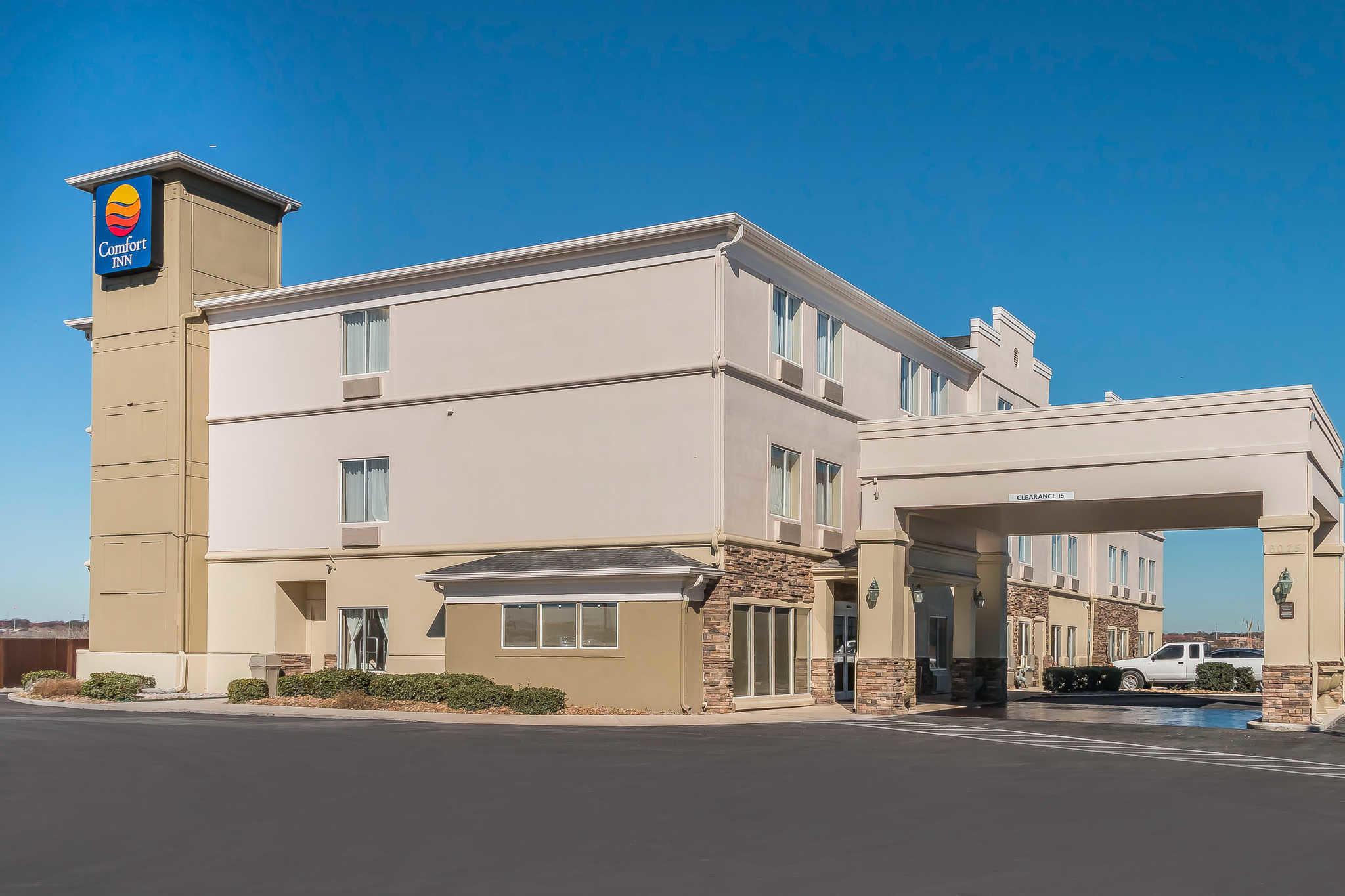 Comfort Inn I-10 EAST Near AT&T Center image 0