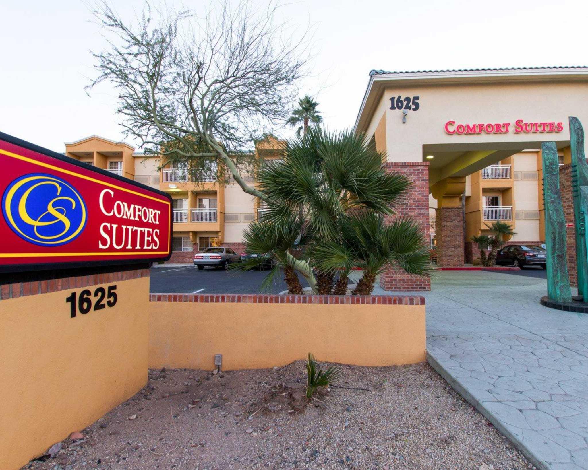 Comfort Suites Phoenix Airport image 2