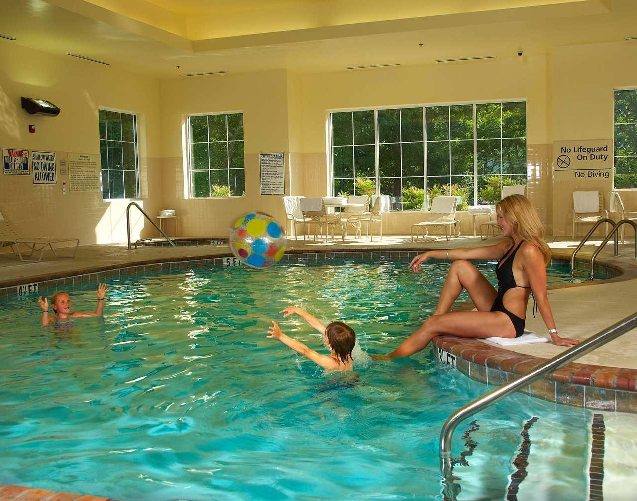 Hampton Inn & Suites Cashiers-Sapphire Valley image 7