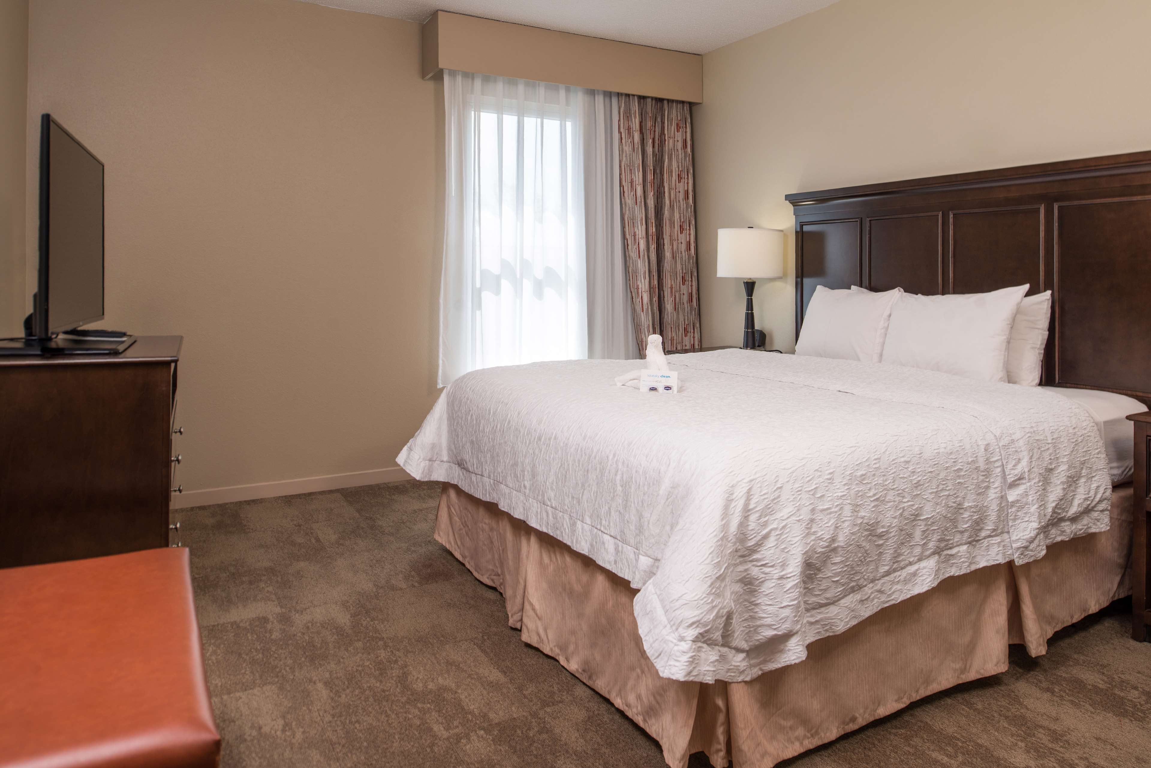 Hampton Inn & Suites Charlotte-Arrowood Rd. image 17