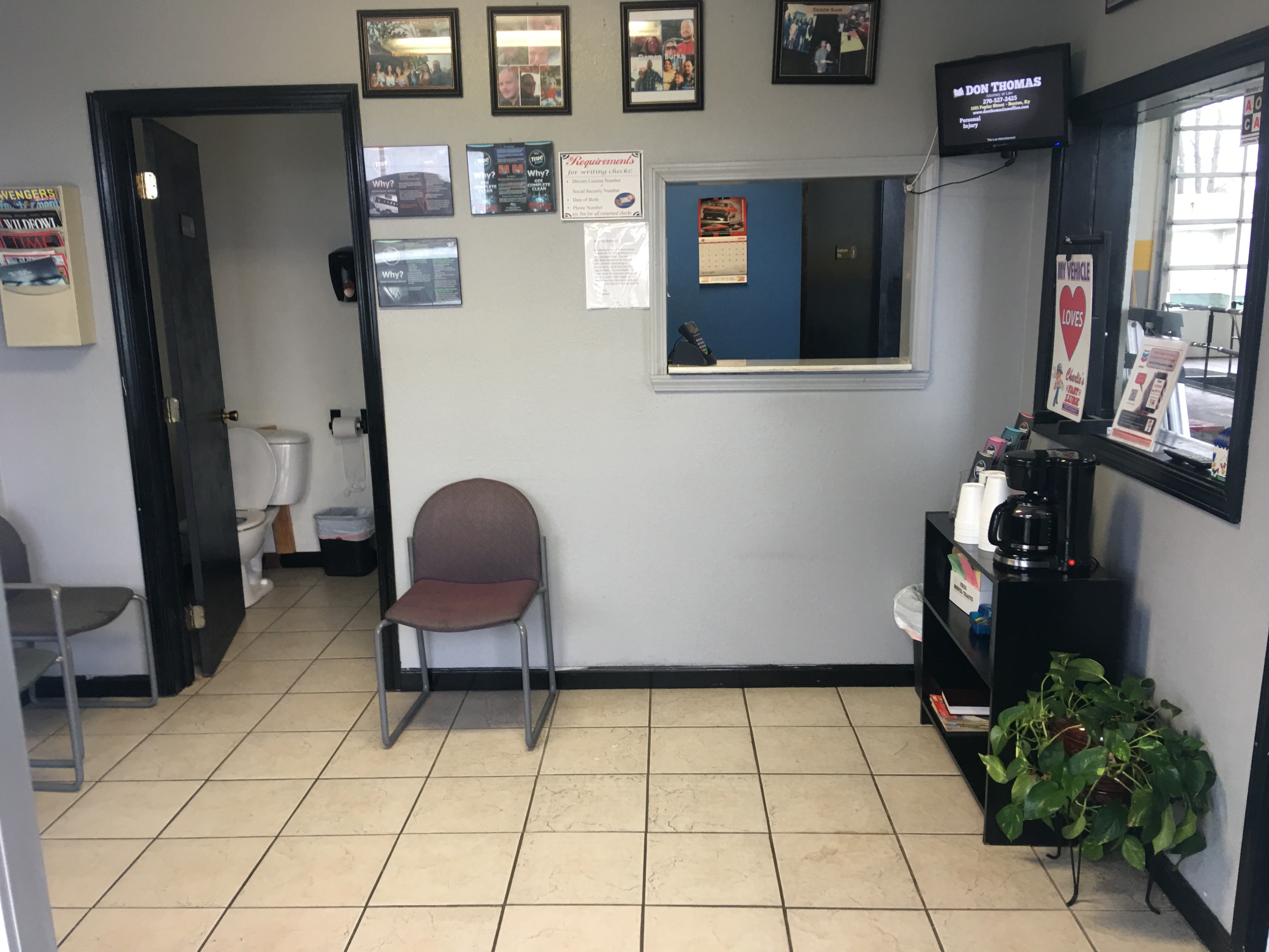 Charlie's Fast Lube Oil Change - Sikeston, MO image 3