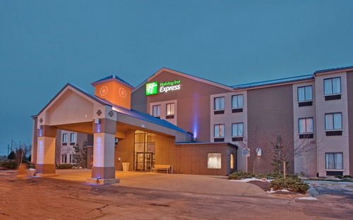 Holiday Inn Express Bonner Springs-Speedway Area - ad image