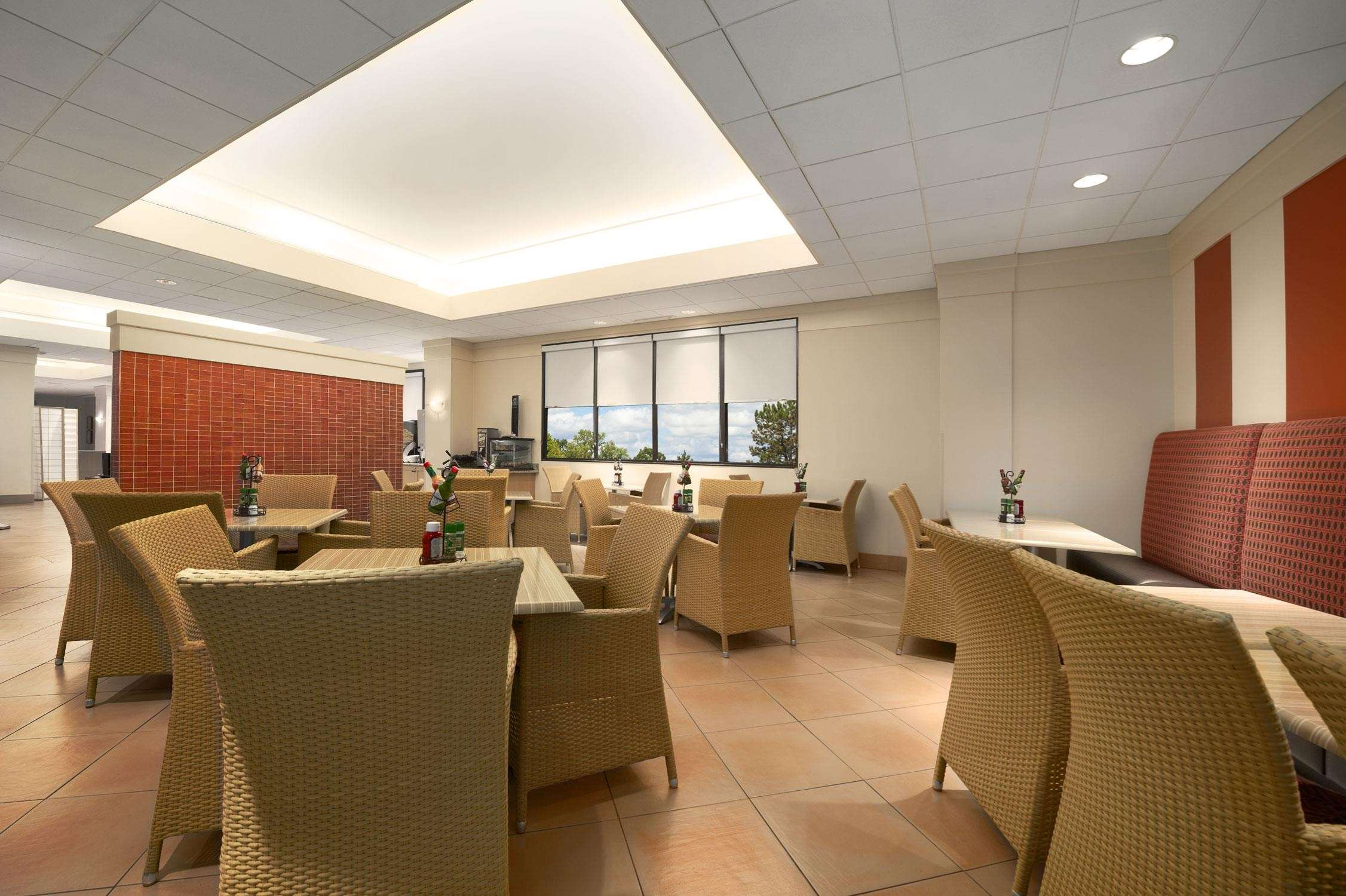 Embassy Suites by Hilton Tampa Airport Westshore image 13