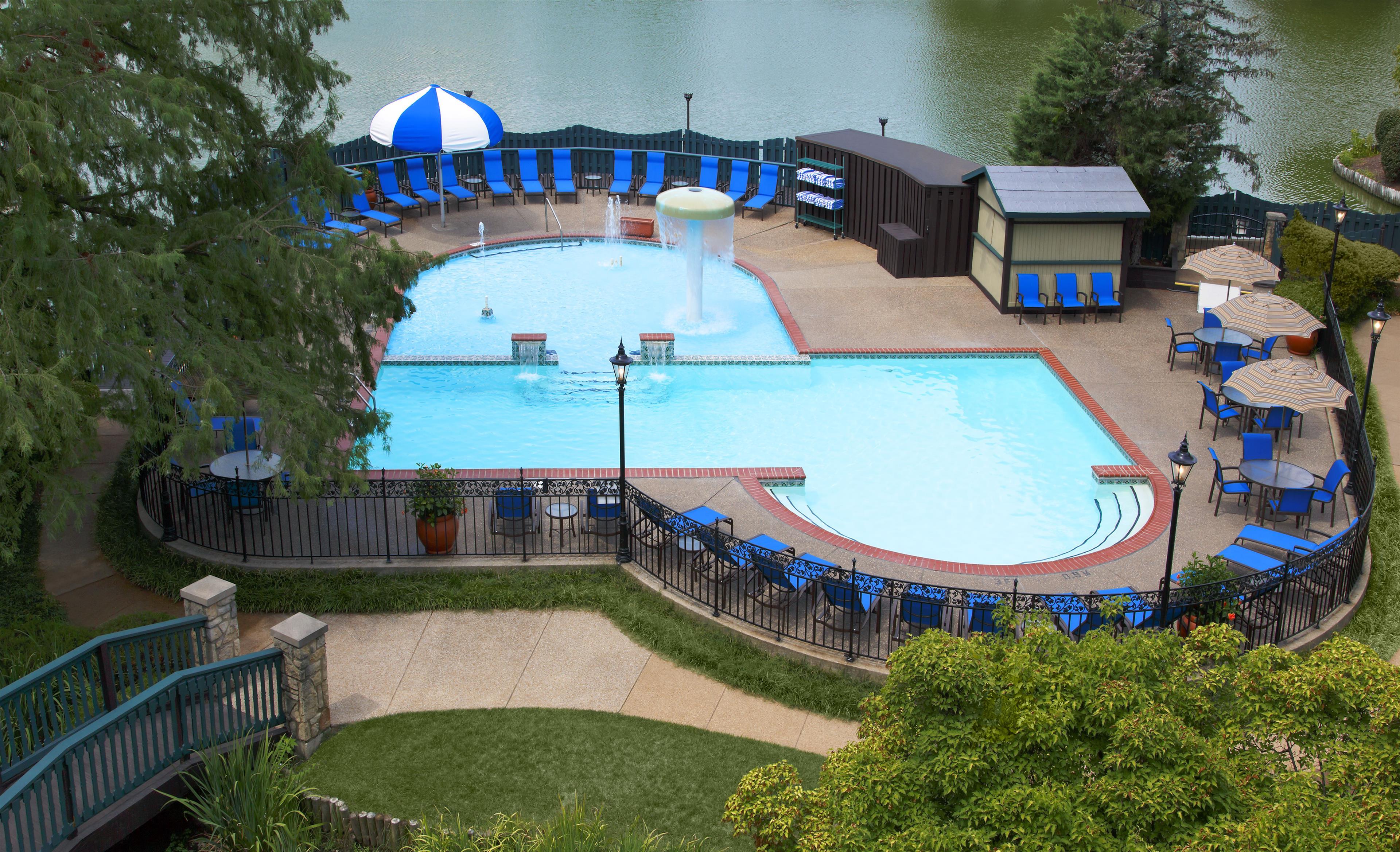 Sheraton Westport Plaza Hotel St. Louis image 2