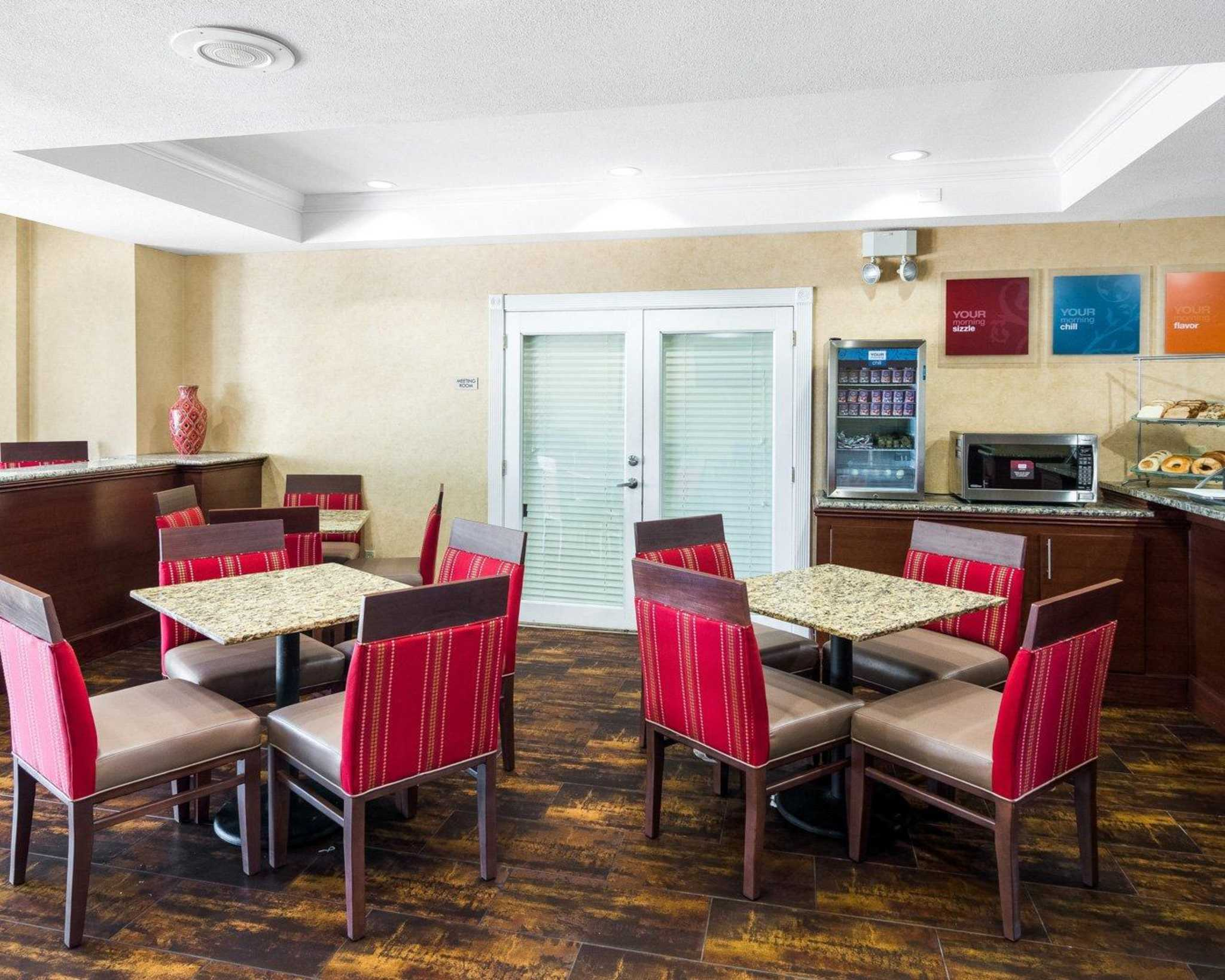 Comfort Suites Las Colinas Center image 14