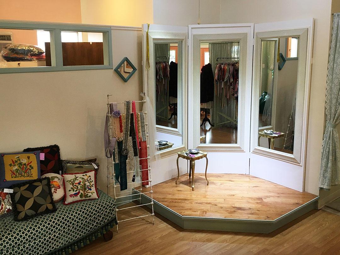 The Dressmaker's Closet image 4