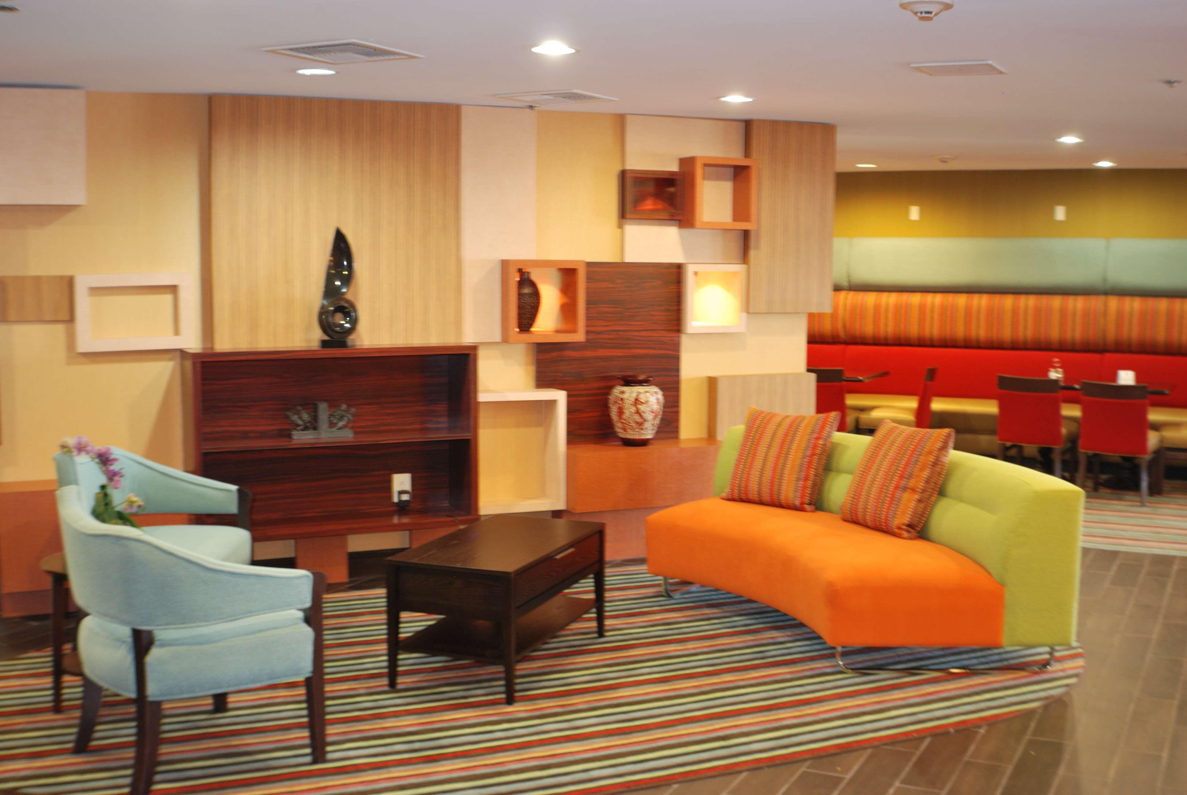 Holiday Inn Express Nashville W I40/Whitebridge Rd image 3