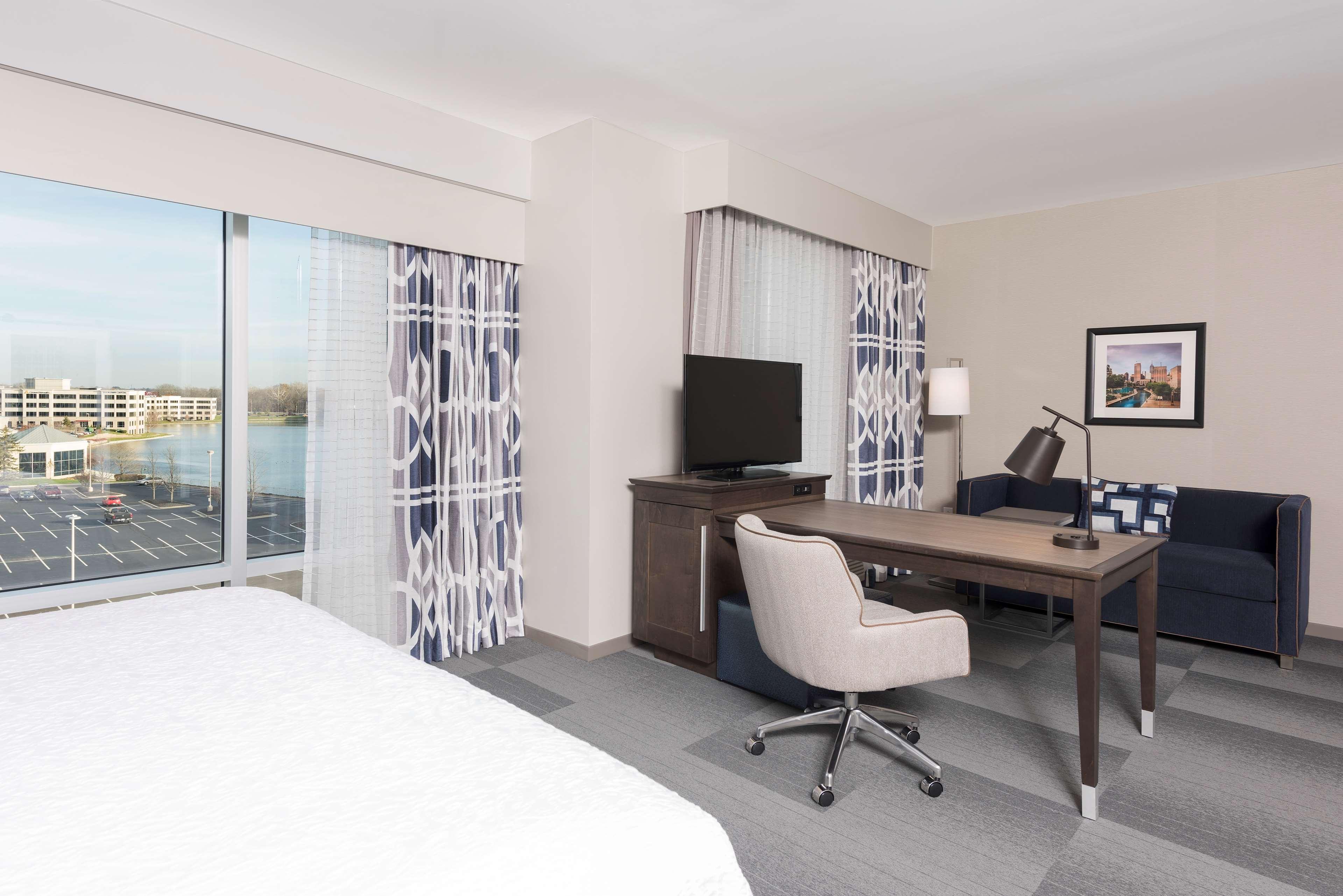 Hampton Inn & Suites Indianapolis-Keystone image 15