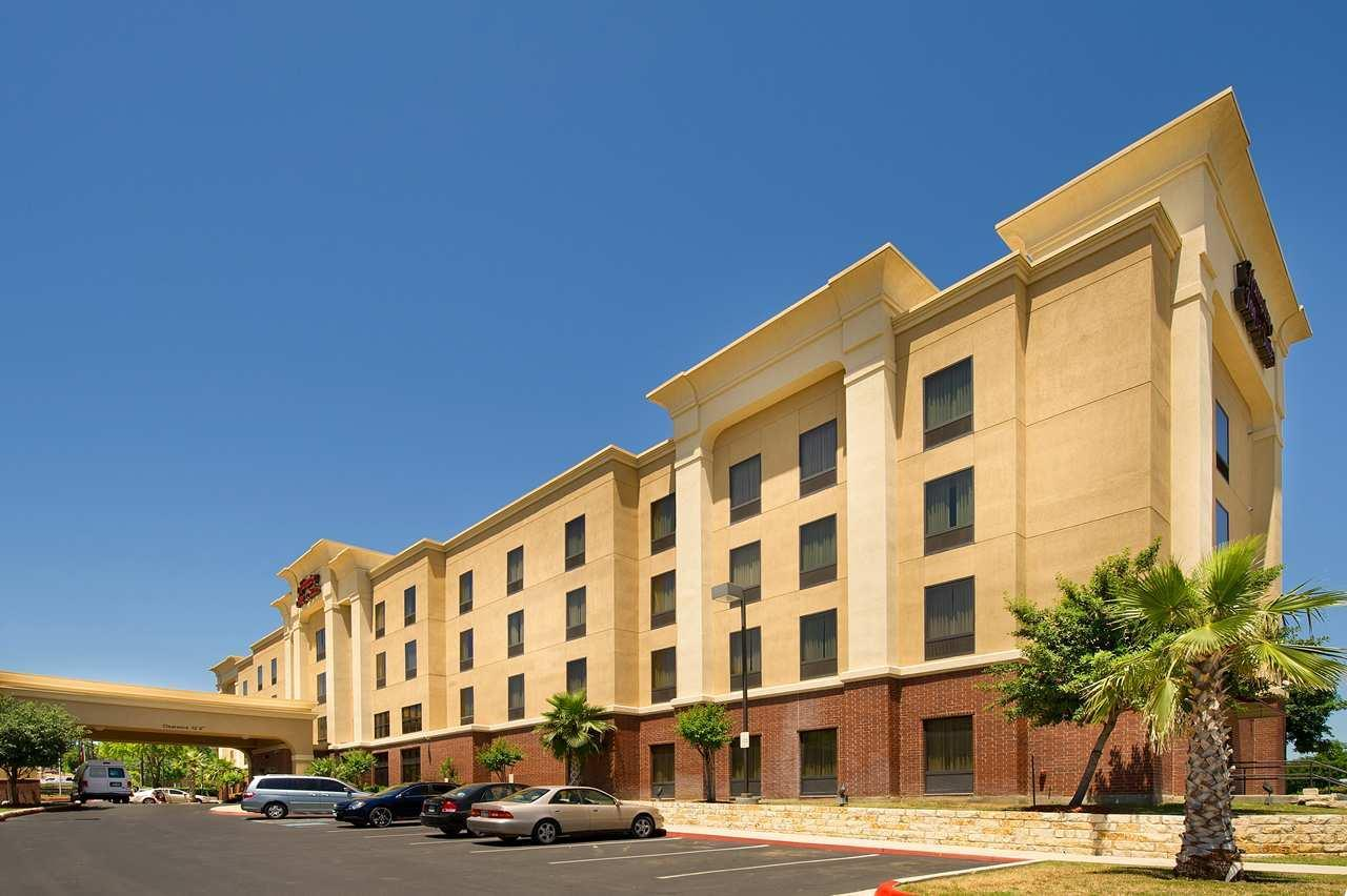 Hampton Inn & Suites San Antonio-Airport image 0