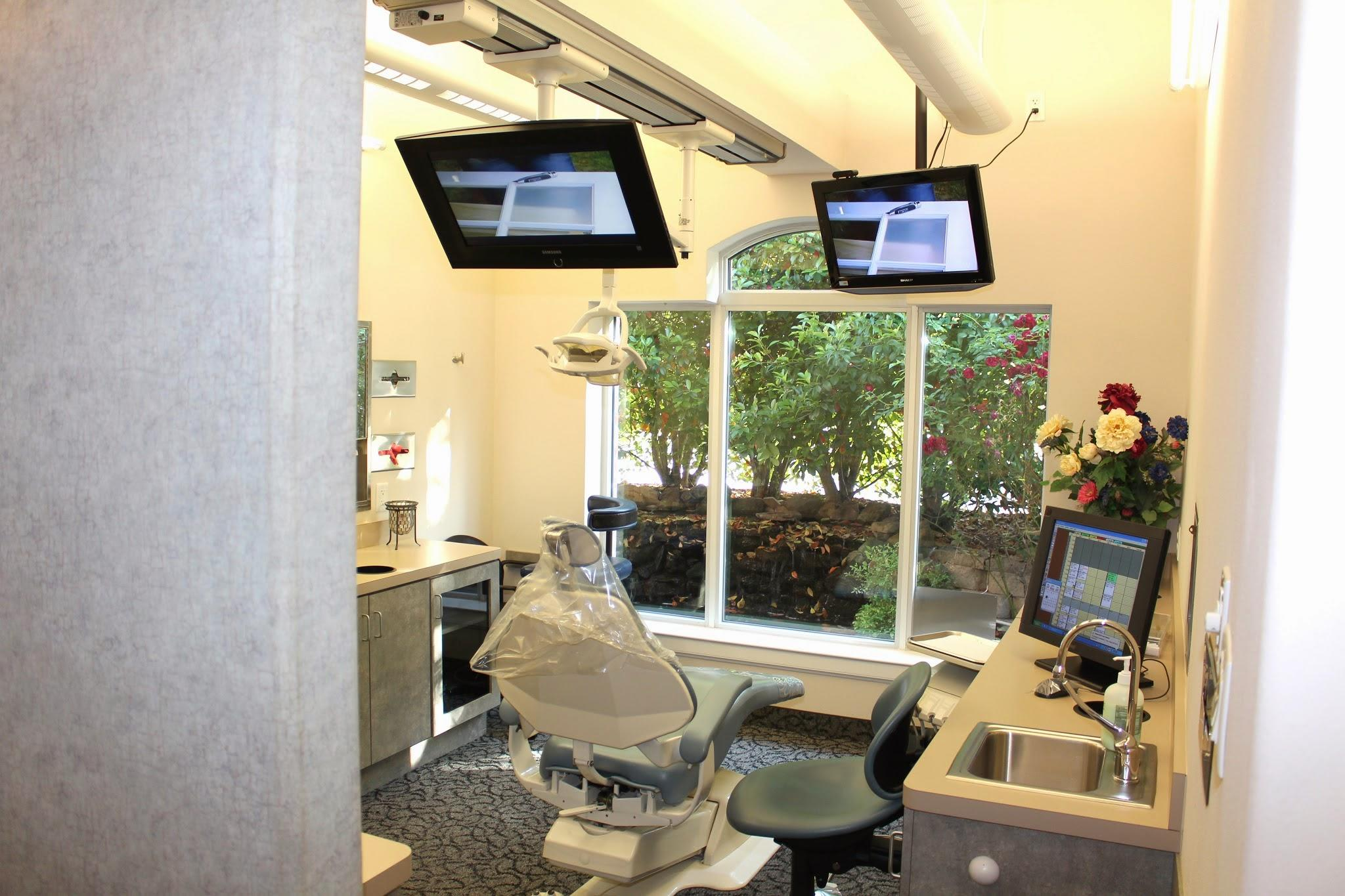 Anthony Dillard, DDS Family & Cosmetic Dentistry image 4