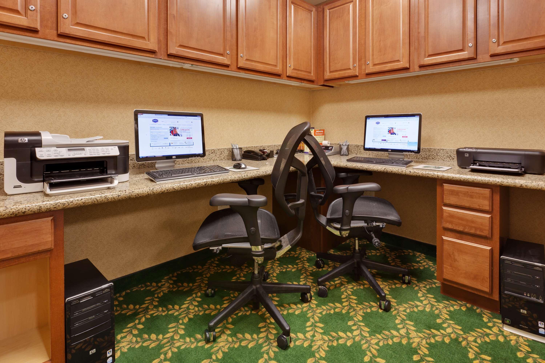 Hampton Inn & Suites Windsor - Sonoma Wine Country image 12