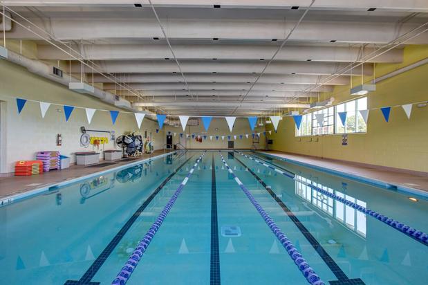 Fredericksburg sport health closed in fredericksburg va 22401 citysearch for Dixon park swimming pool fredericksburg va