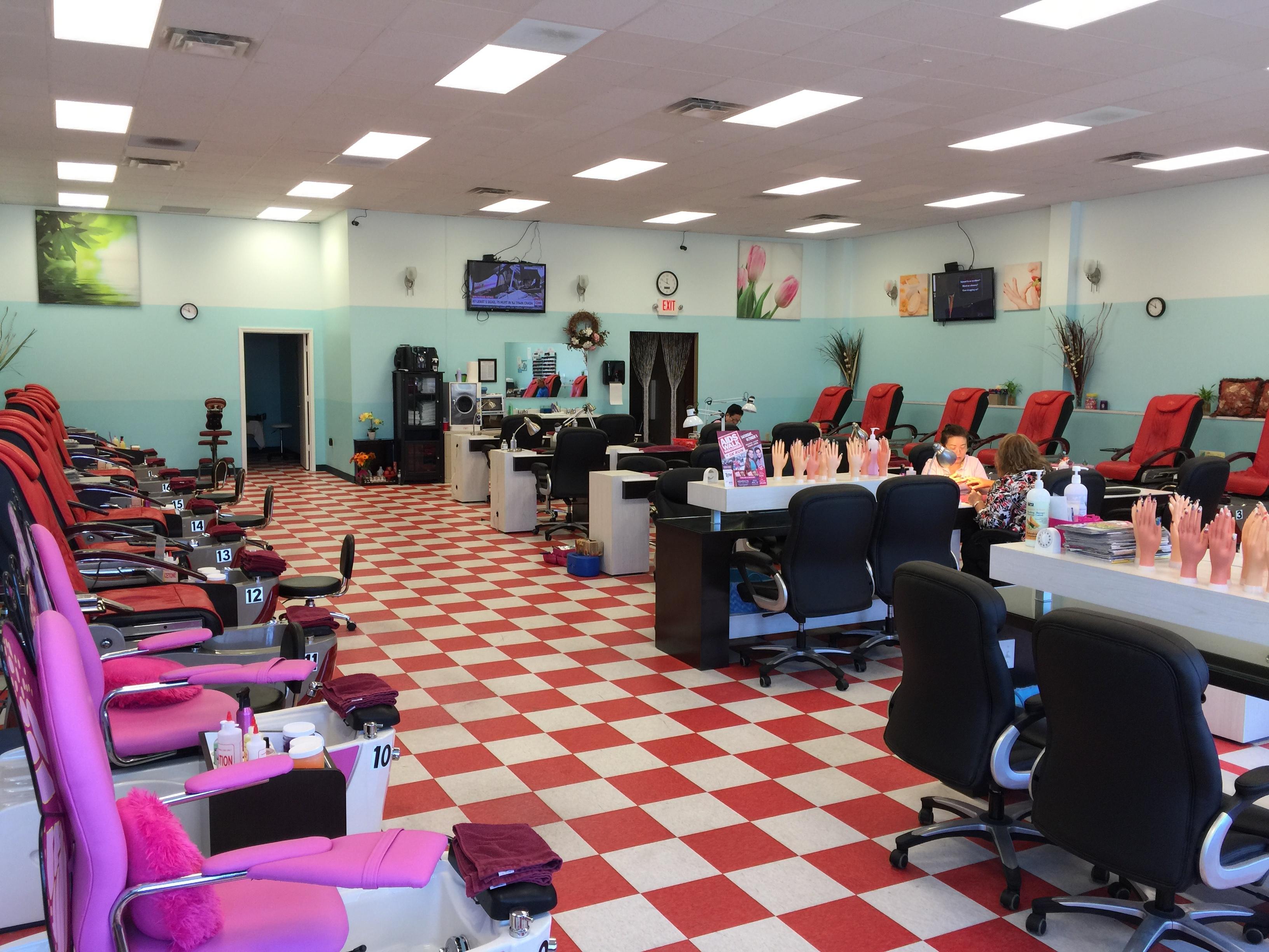 VIP Nails & Spa image 3