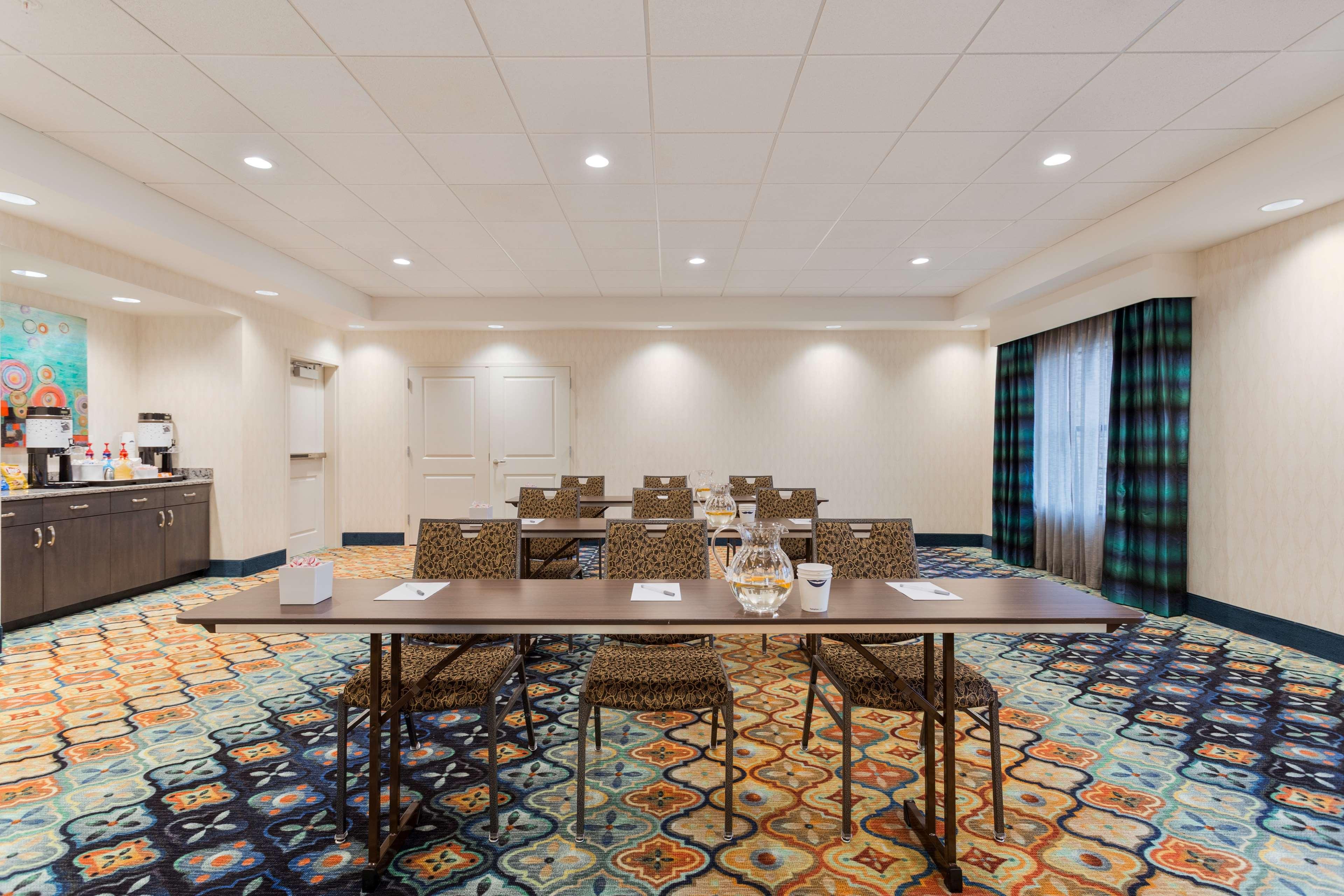 Hampton Inn & Suites West Des Moines/SW Mall Area image 25