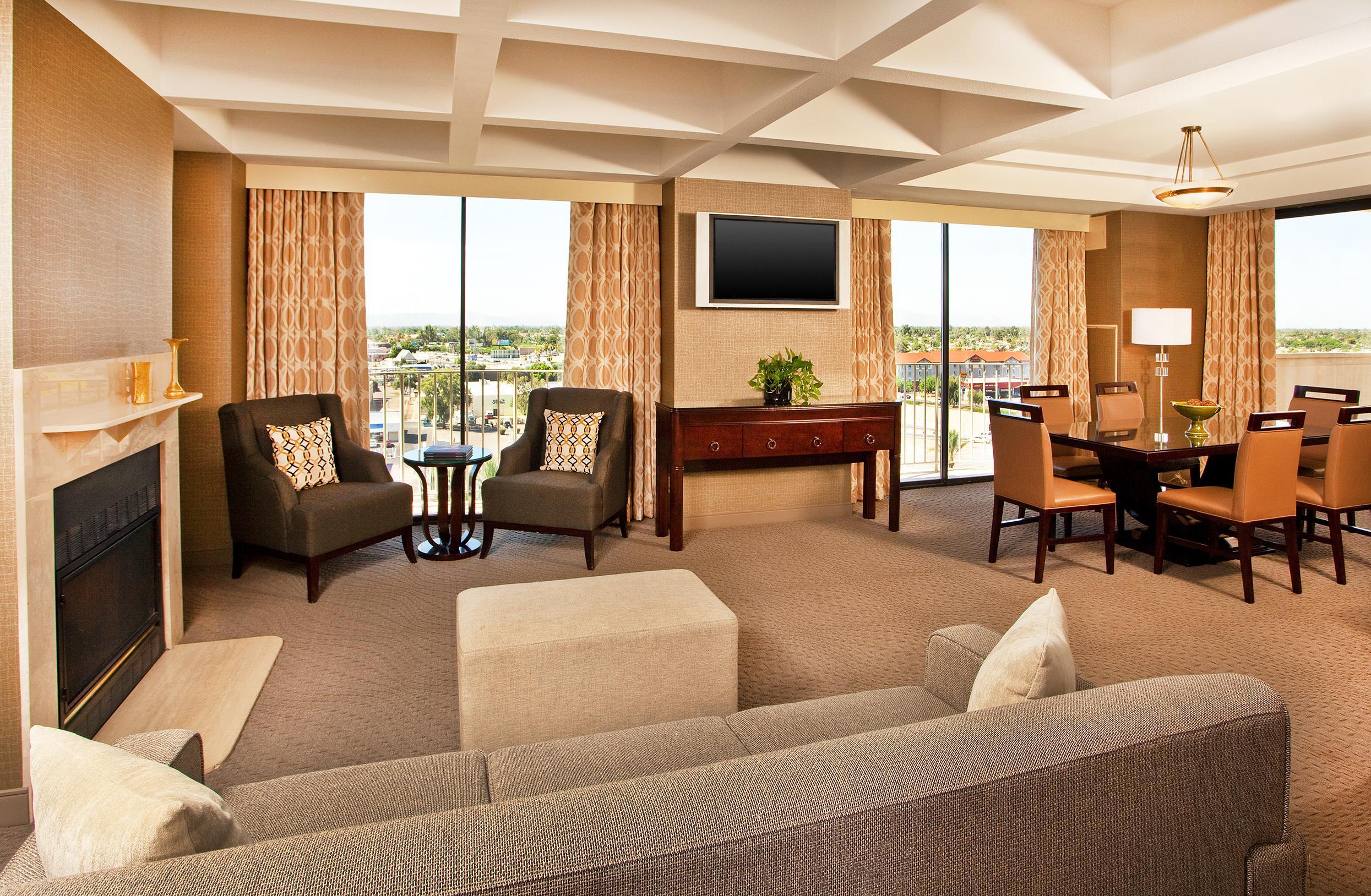 Sheraton Crescent Hotel image 26