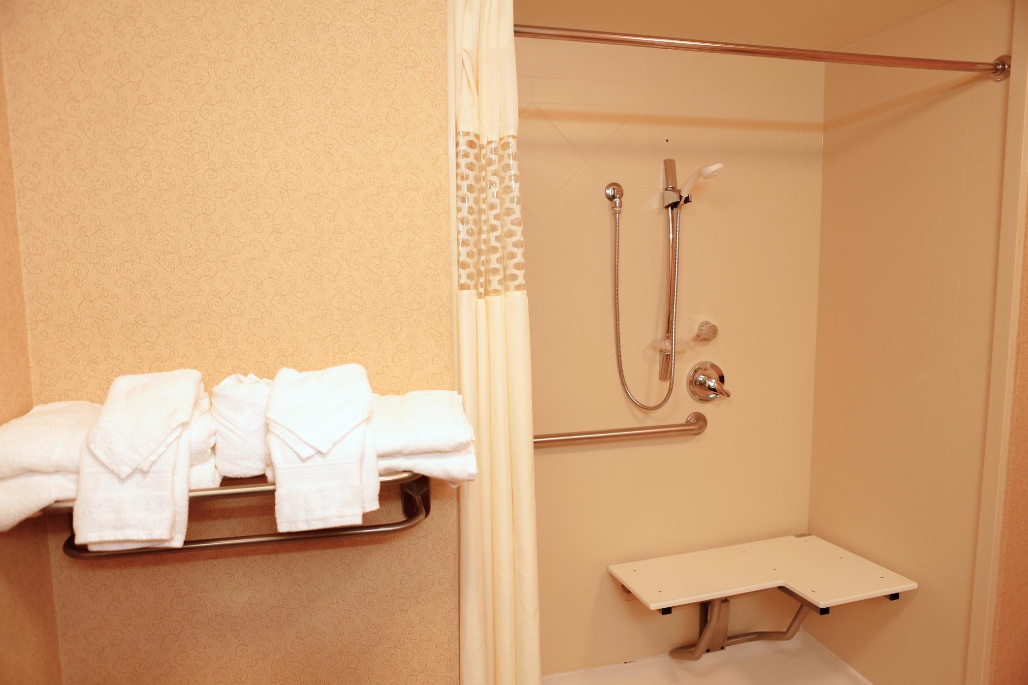 Hampton Inn & Suites Greenfield image 18