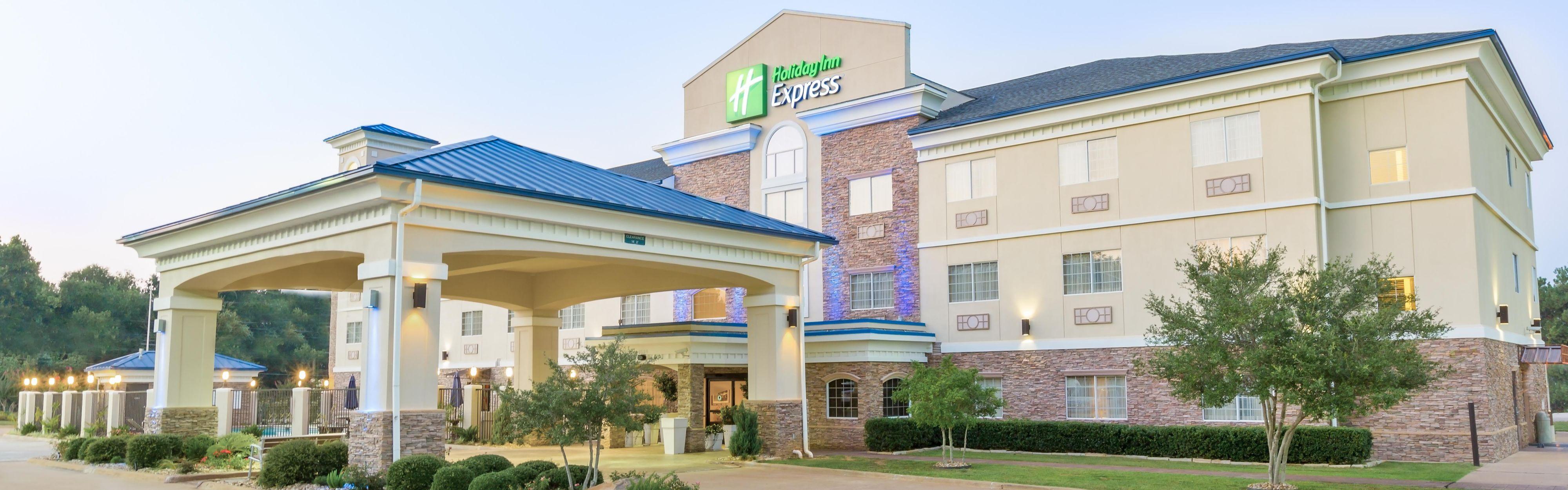 Holiday Inn Express Palestine image 0