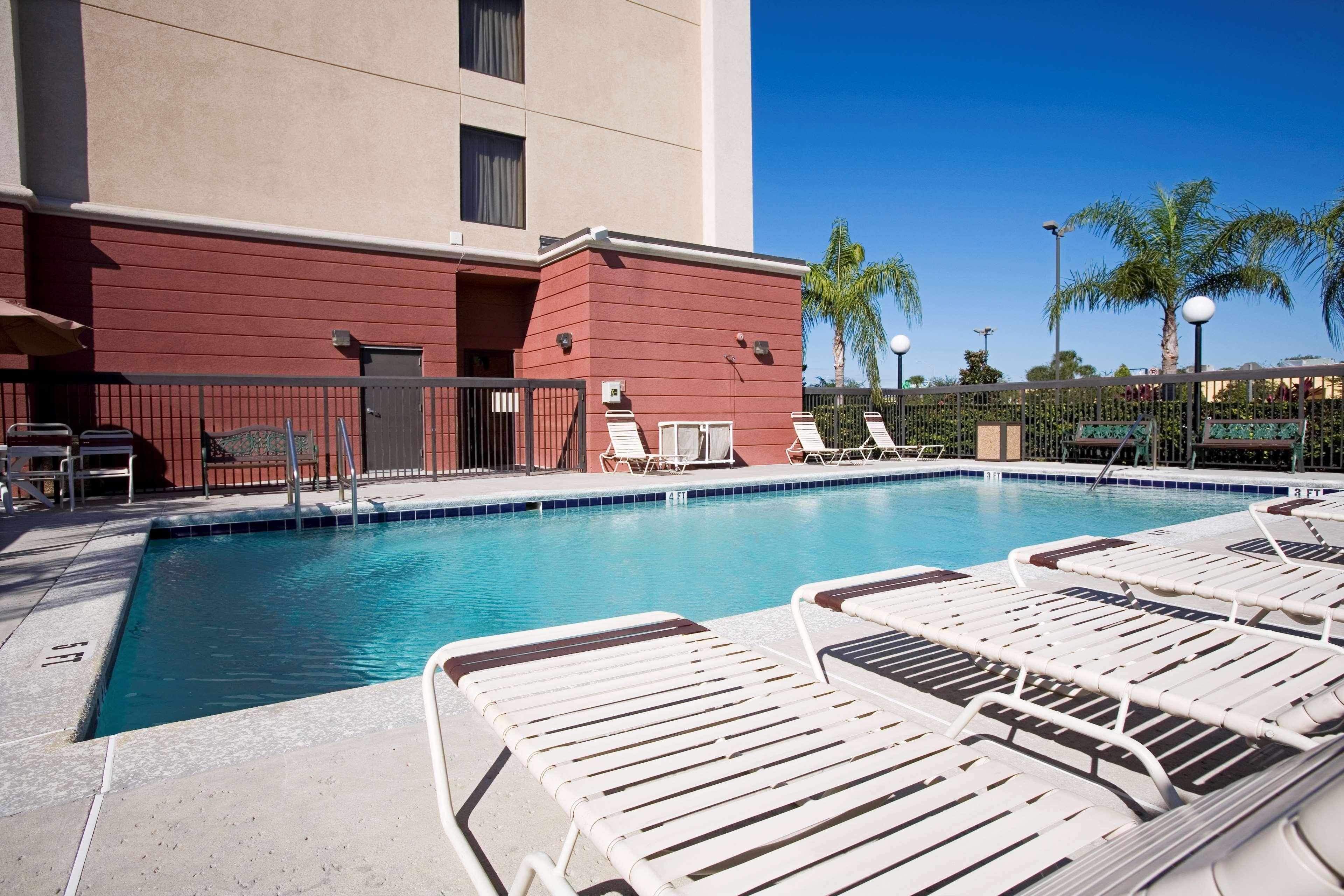 Hampton Inn & Suites Orlando Intl Dr N image 5