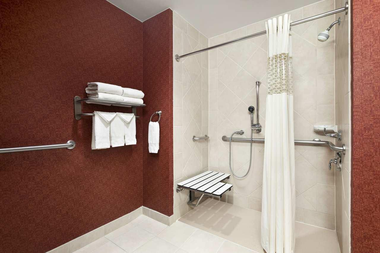 Hampton Inn & Suites Conroe - I-45 North image 7