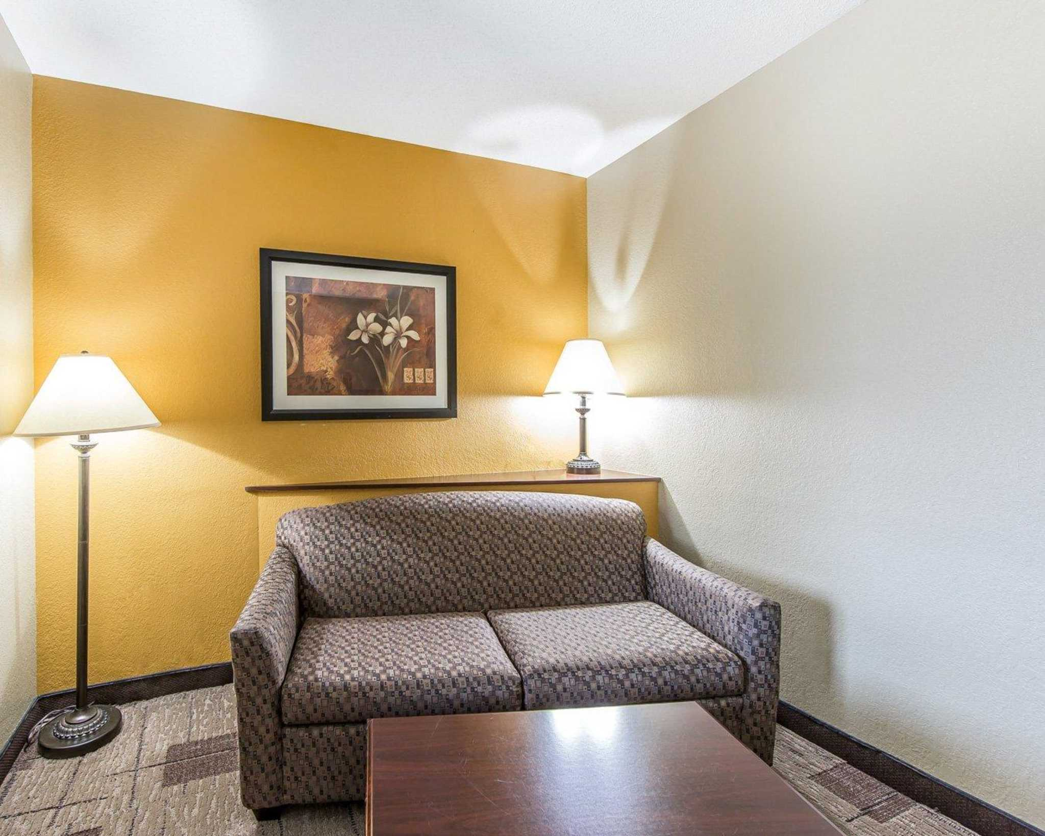 Comfort Suites Kodak Sevierville image 23