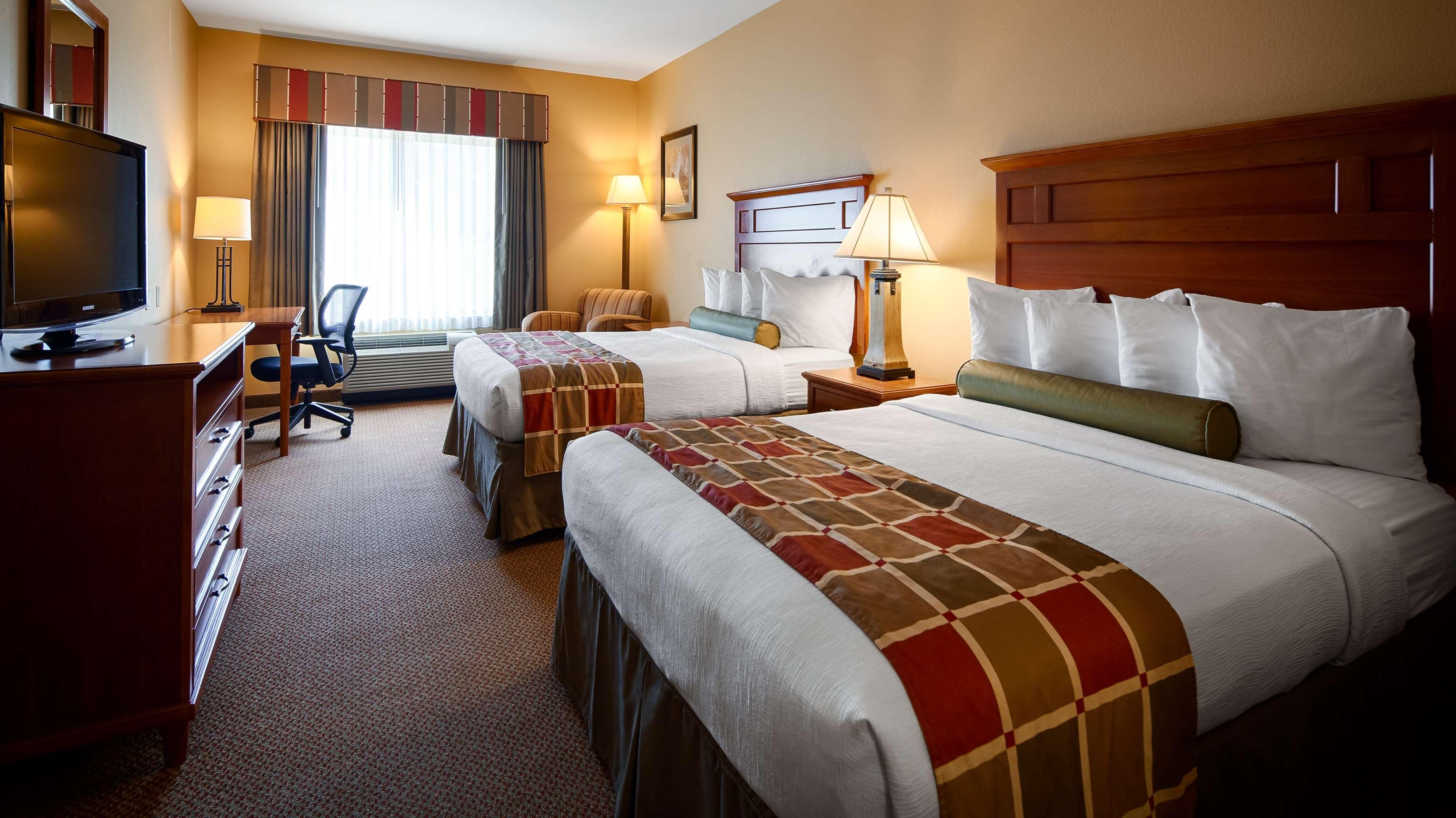 Best Western Plus University Park Inn & Suites image 10