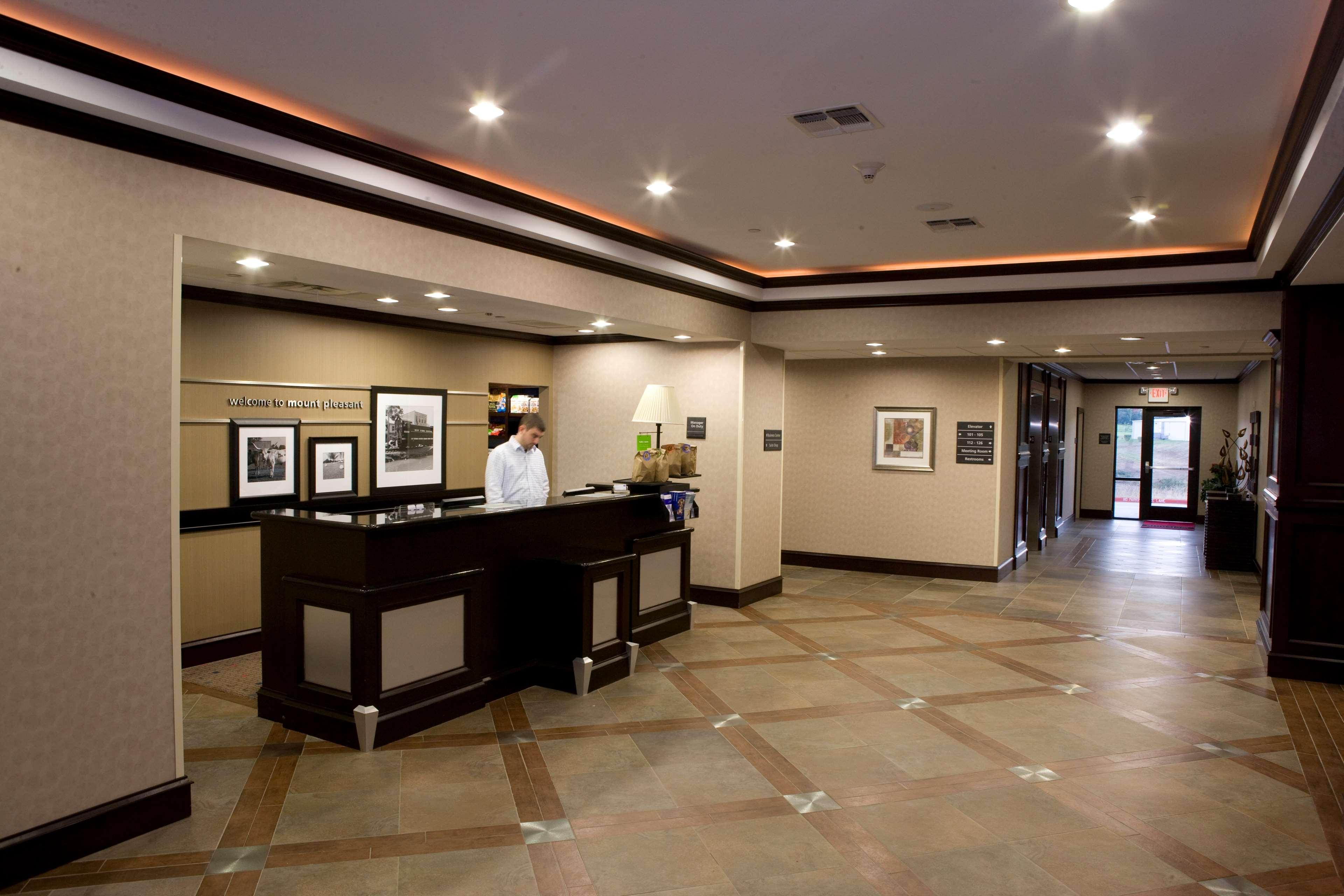 Hampton Inn & Suites Mount Pleasant image 7