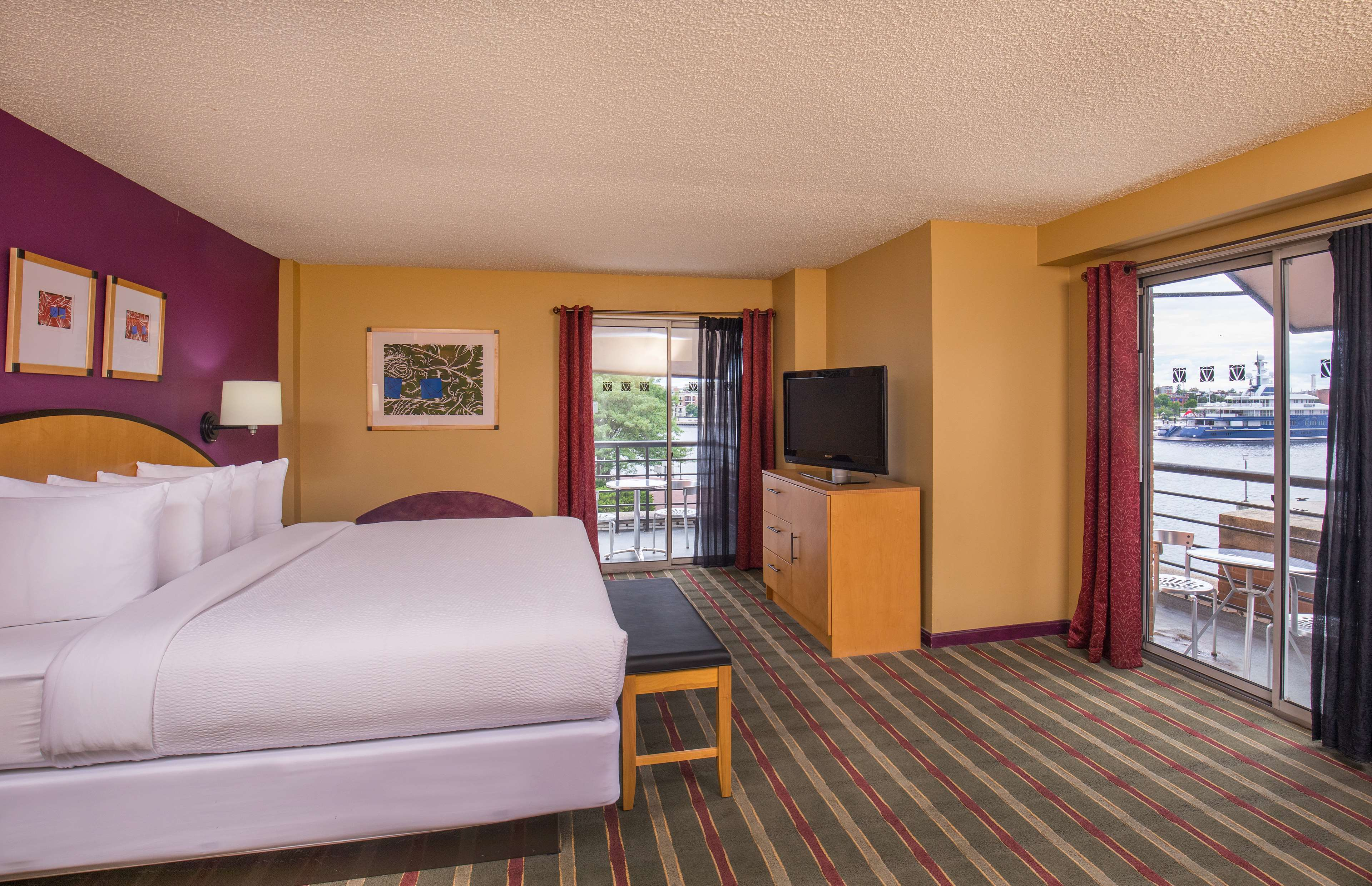 Pier 5 Hotel Baltimore, Curio Collection by Hilton image 13