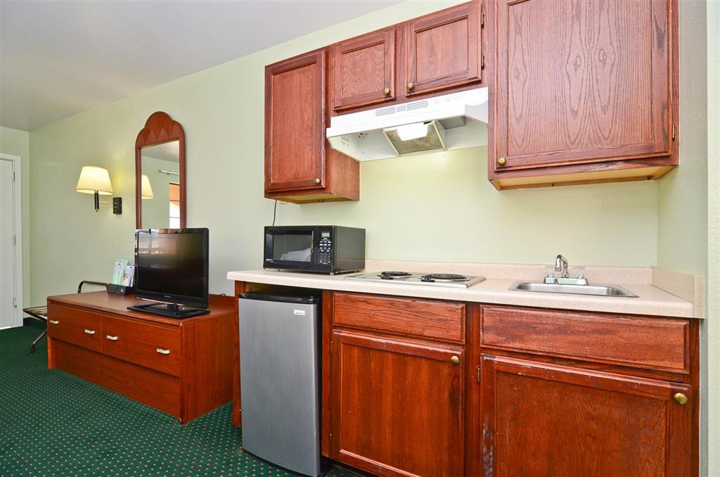 Americas Best Value Inn & Suites Smithville image 16