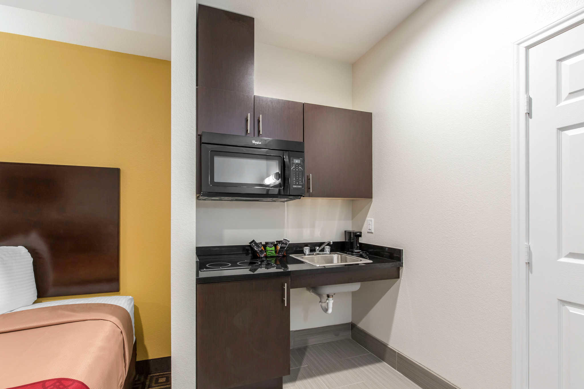 Econo Lodge Inn & Suites Spring - Houston North image 12